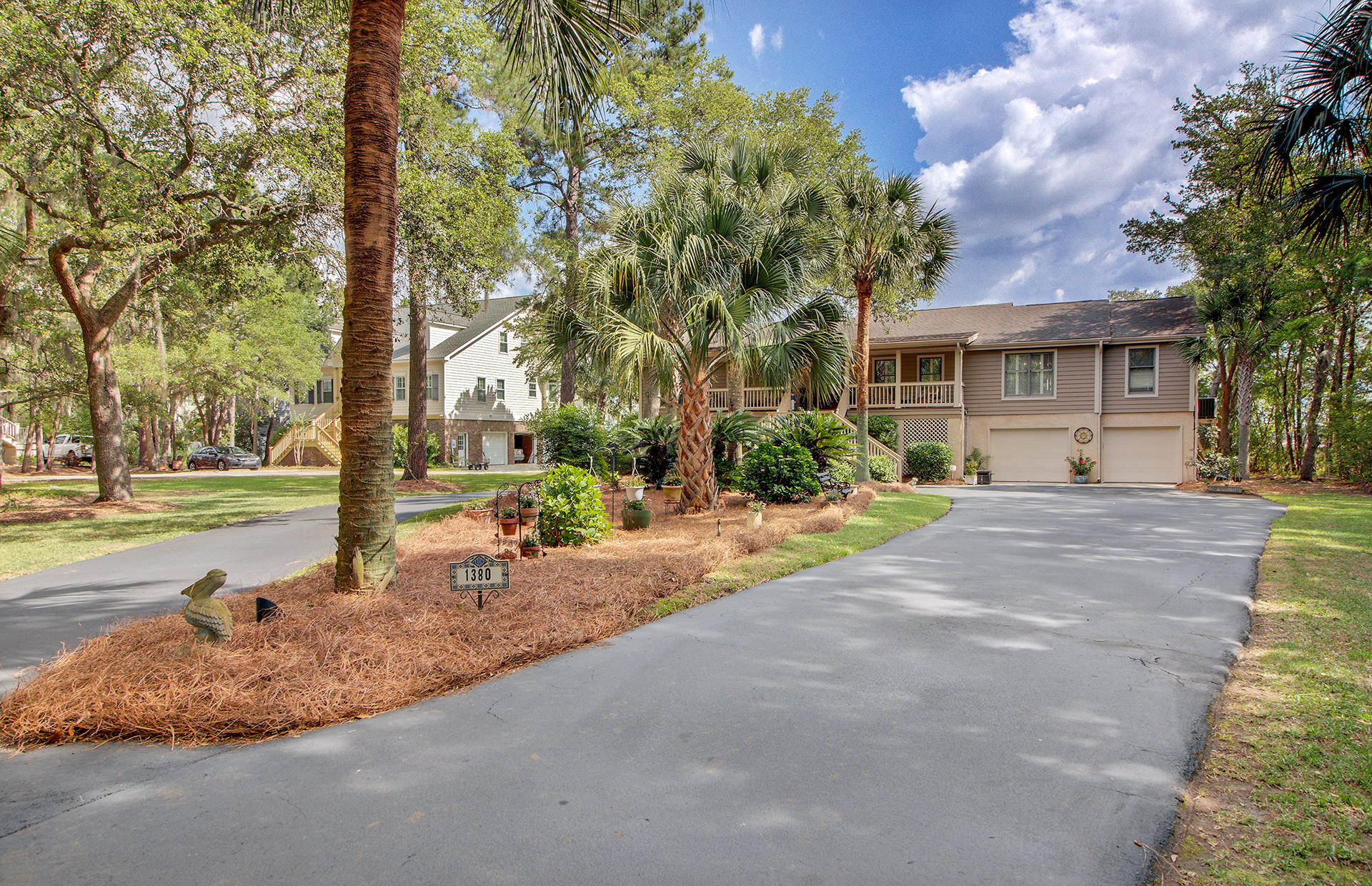 1380 Headquarters Plantation Drive Johns Island, SC 29455