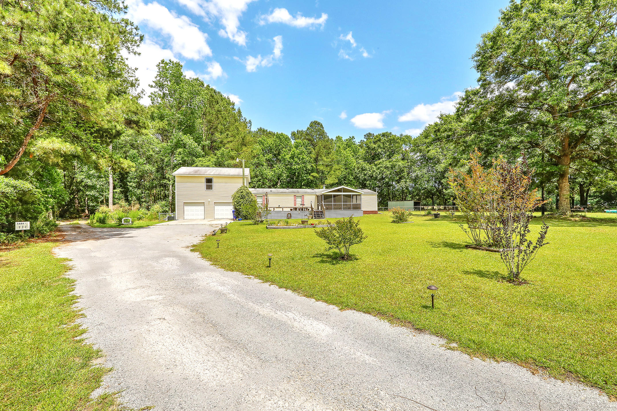 5486 Highway 165 Hollywood, SC 29449