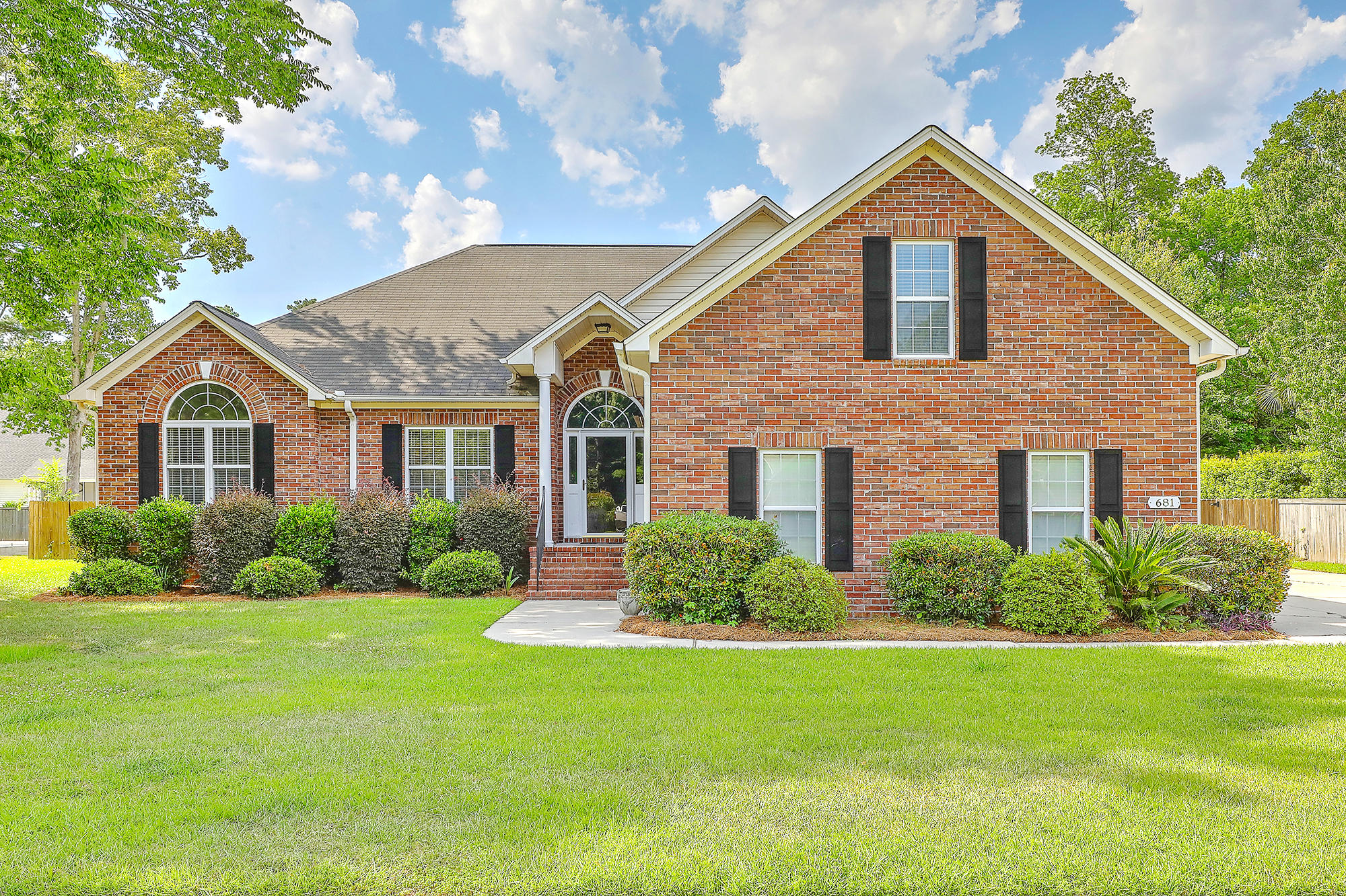 681 Hamlet Circle Goose Creek, SC 29445