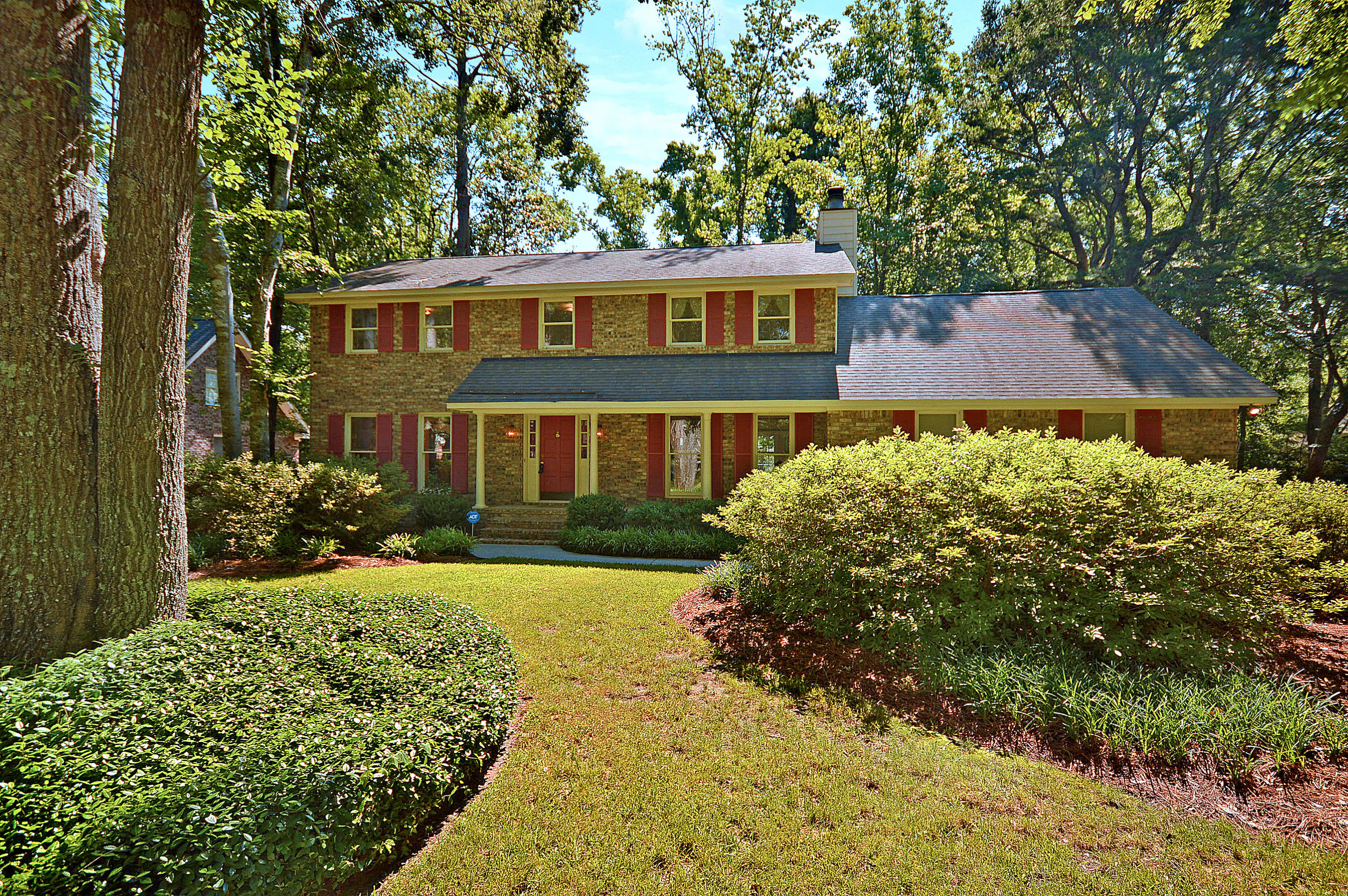 112 Huckleberry Lane Summerville, SC 29485