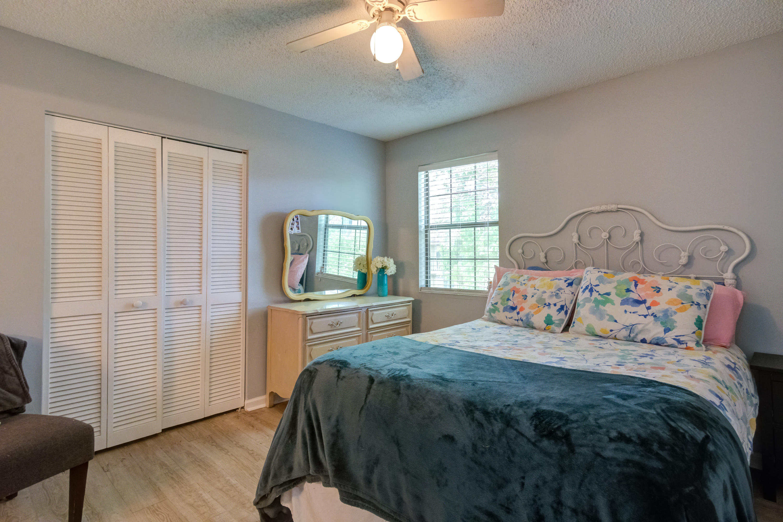 Hibben Ferry Homes For Sale - 1054 Anna Knapp, Mount Pleasant, SC - 14