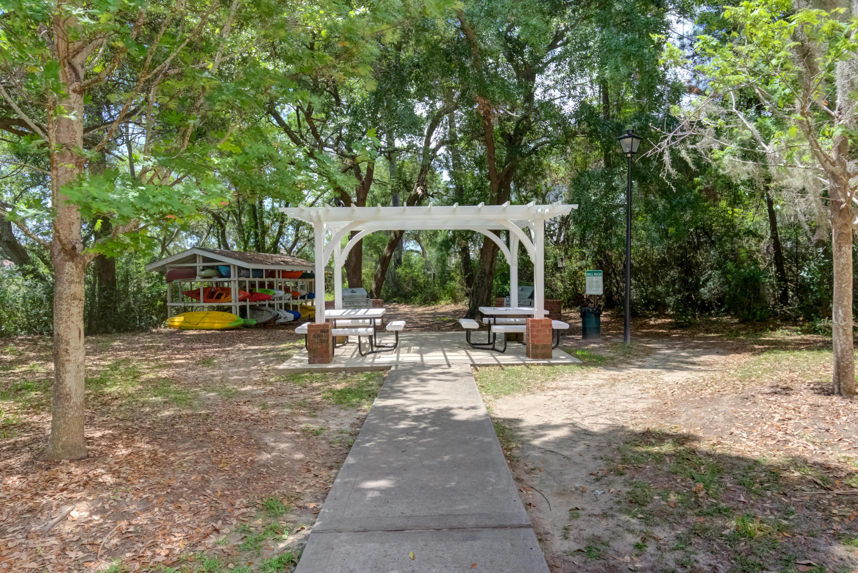 Hibben Ferry Homes For Sale - 1054 Anna Knapp, Mount Pleasant, SC - 9