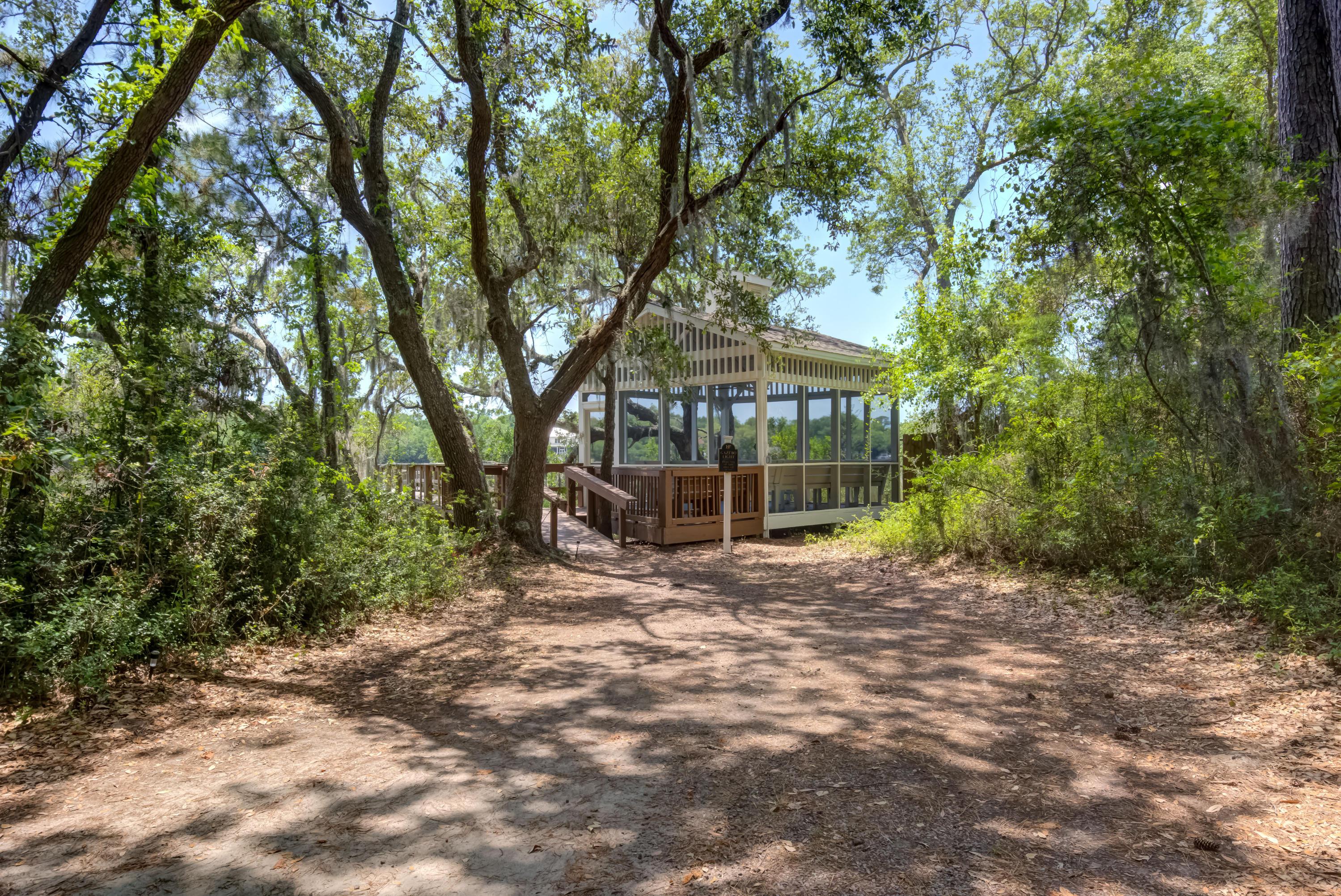 Hibben Ferry Homes For Sale - 1054 Anna Knapp, Mount Pleasant, SC - 6
