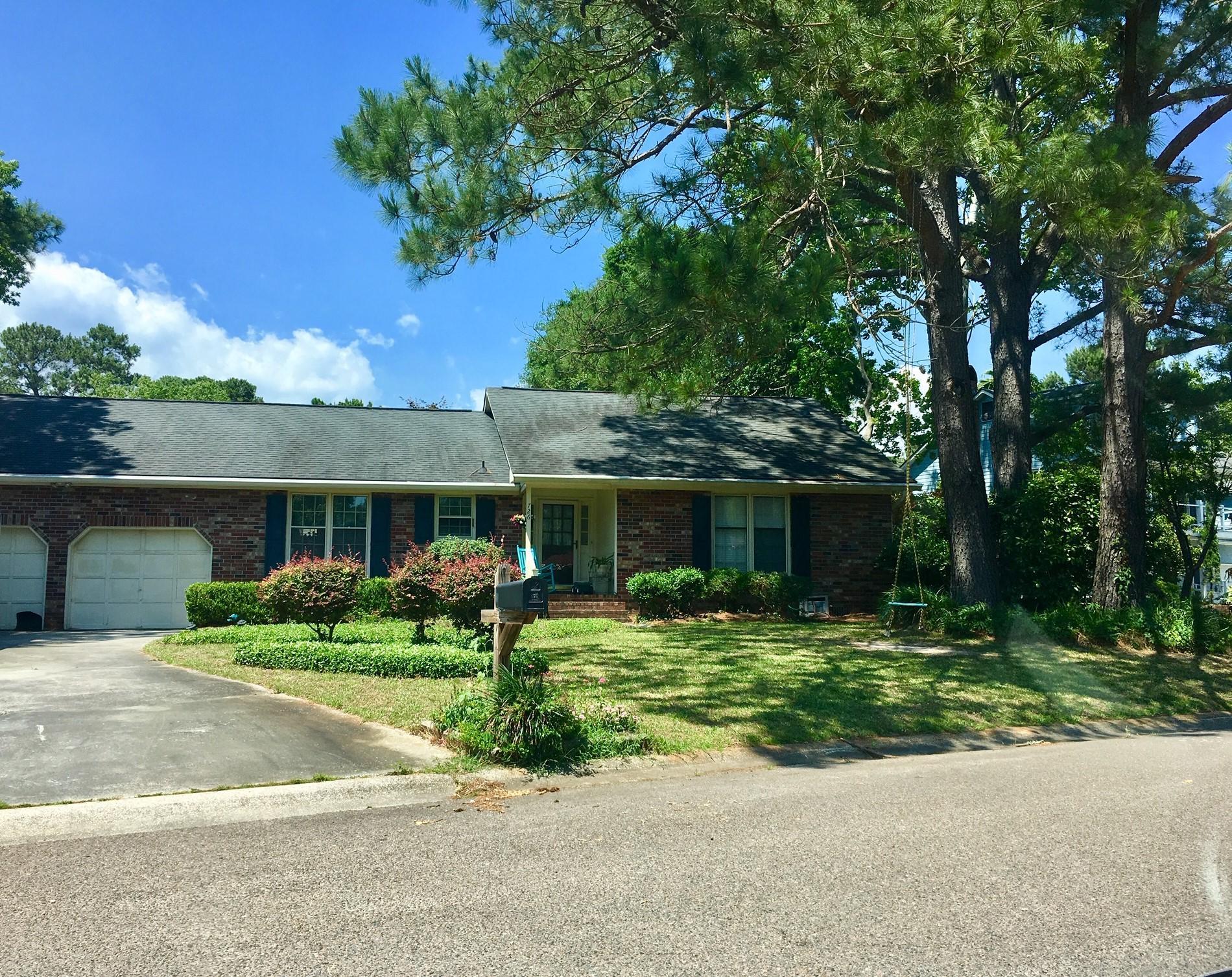 726 Sawgrass Lane Mount Pleasant, SC 29464
