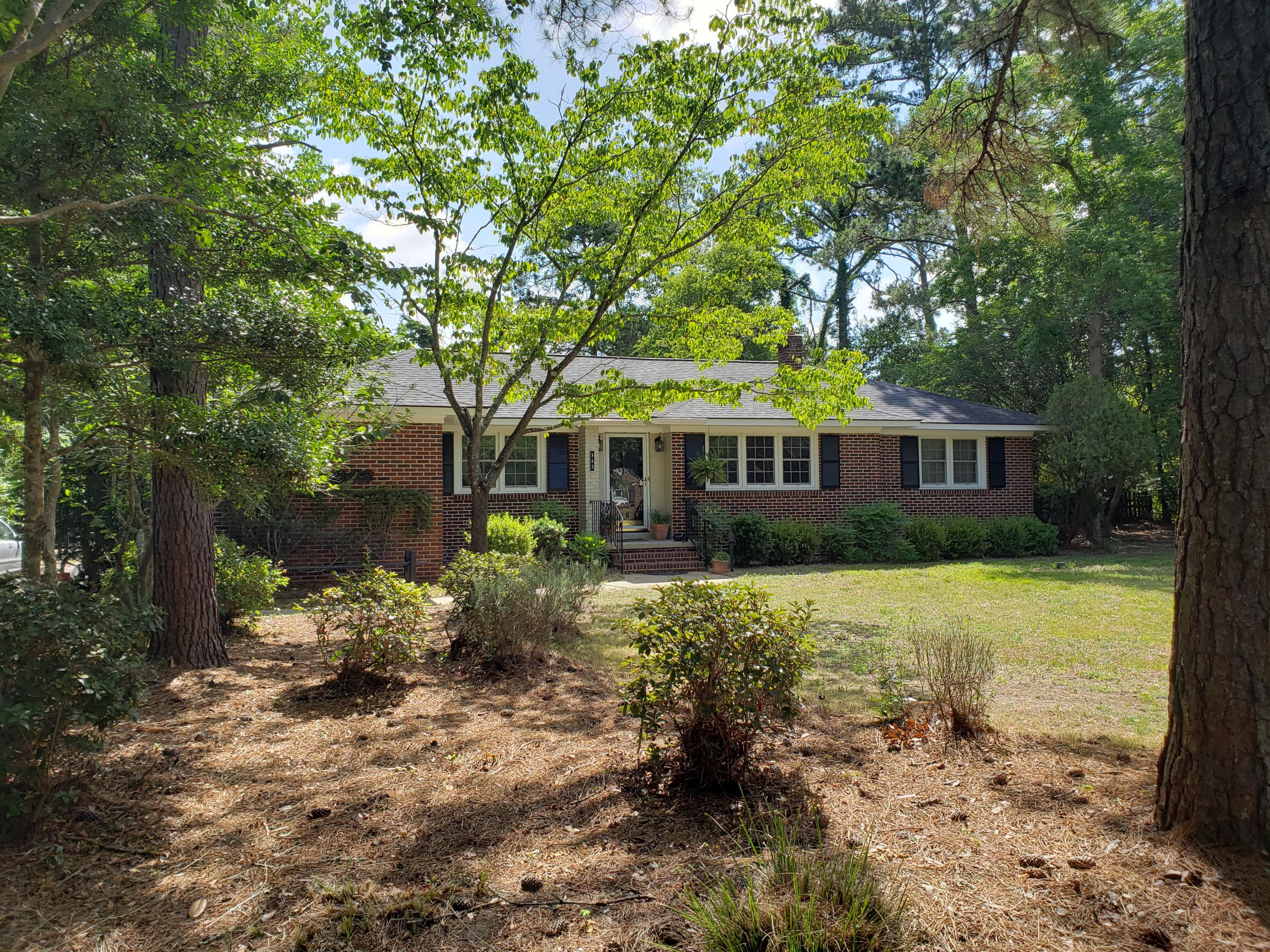 963 Cliffwood Drive Mount Pleasant, SC 29464