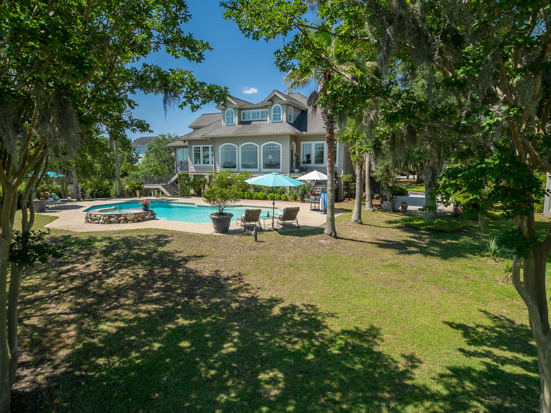 1615 Headquarters Plantation Drive Johns Island, SC 29455