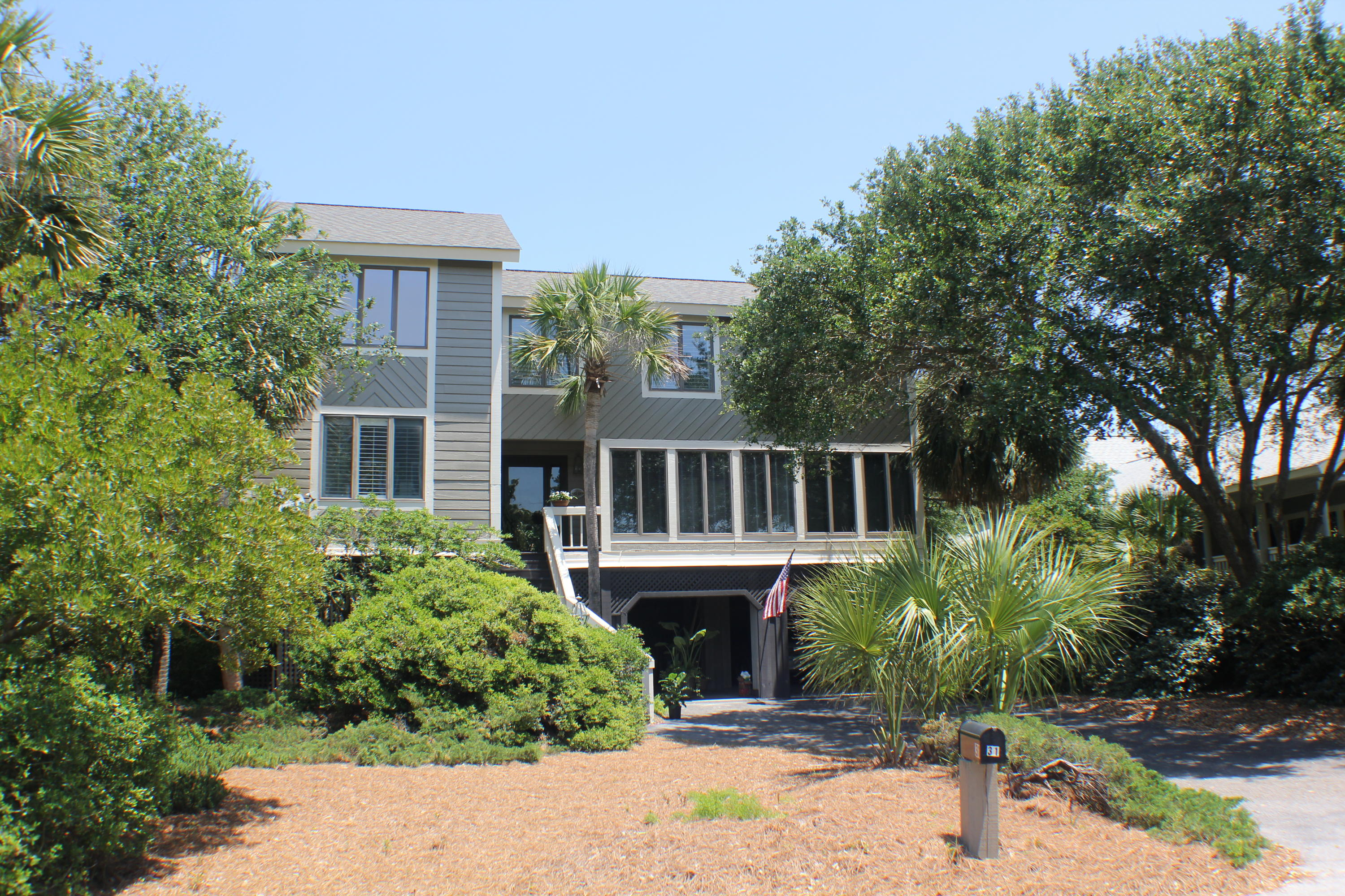 31 Beachwood East Isle Of Palms, SC 29451