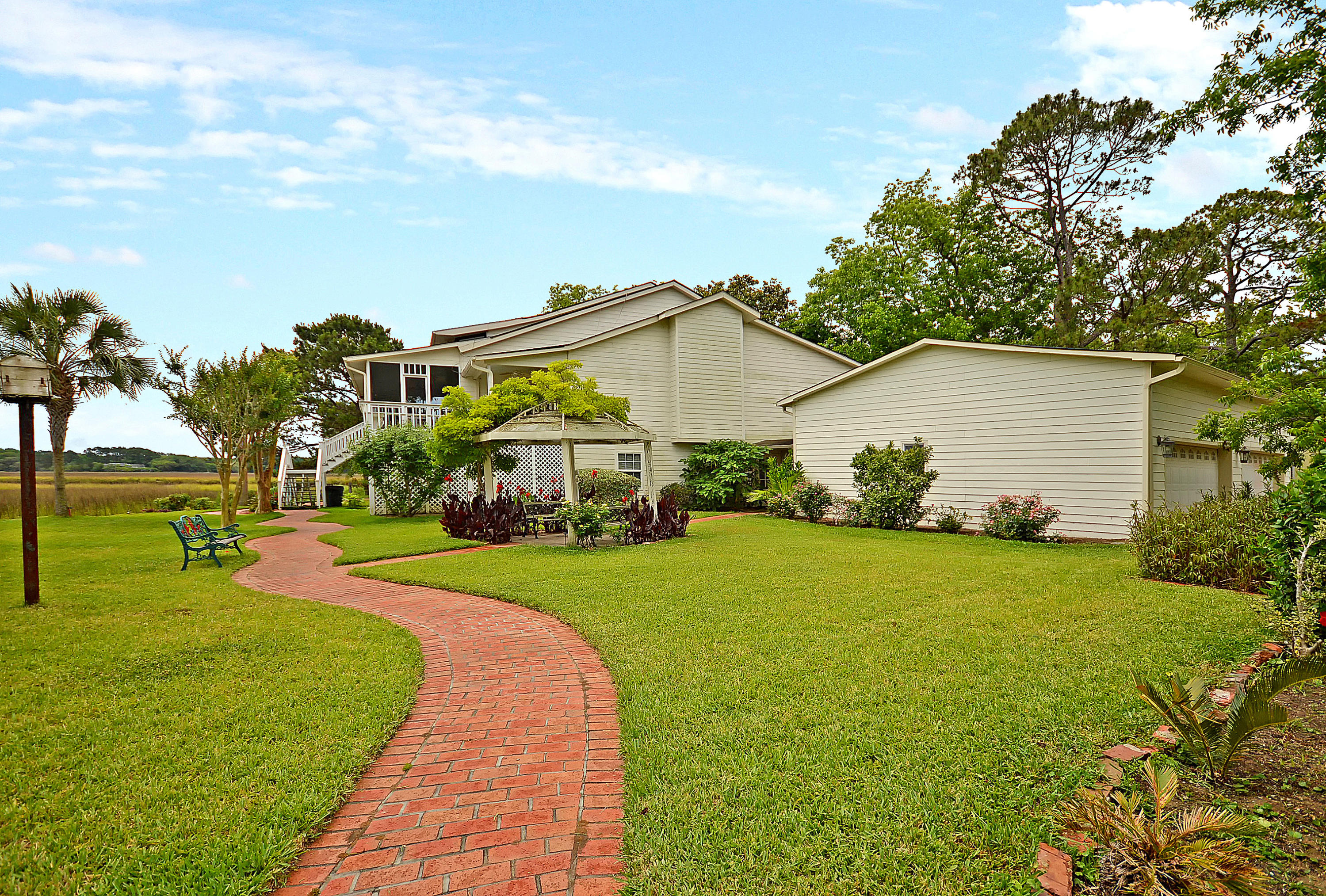 3352 Jenkins Farm Road Johns Island, SC 29455