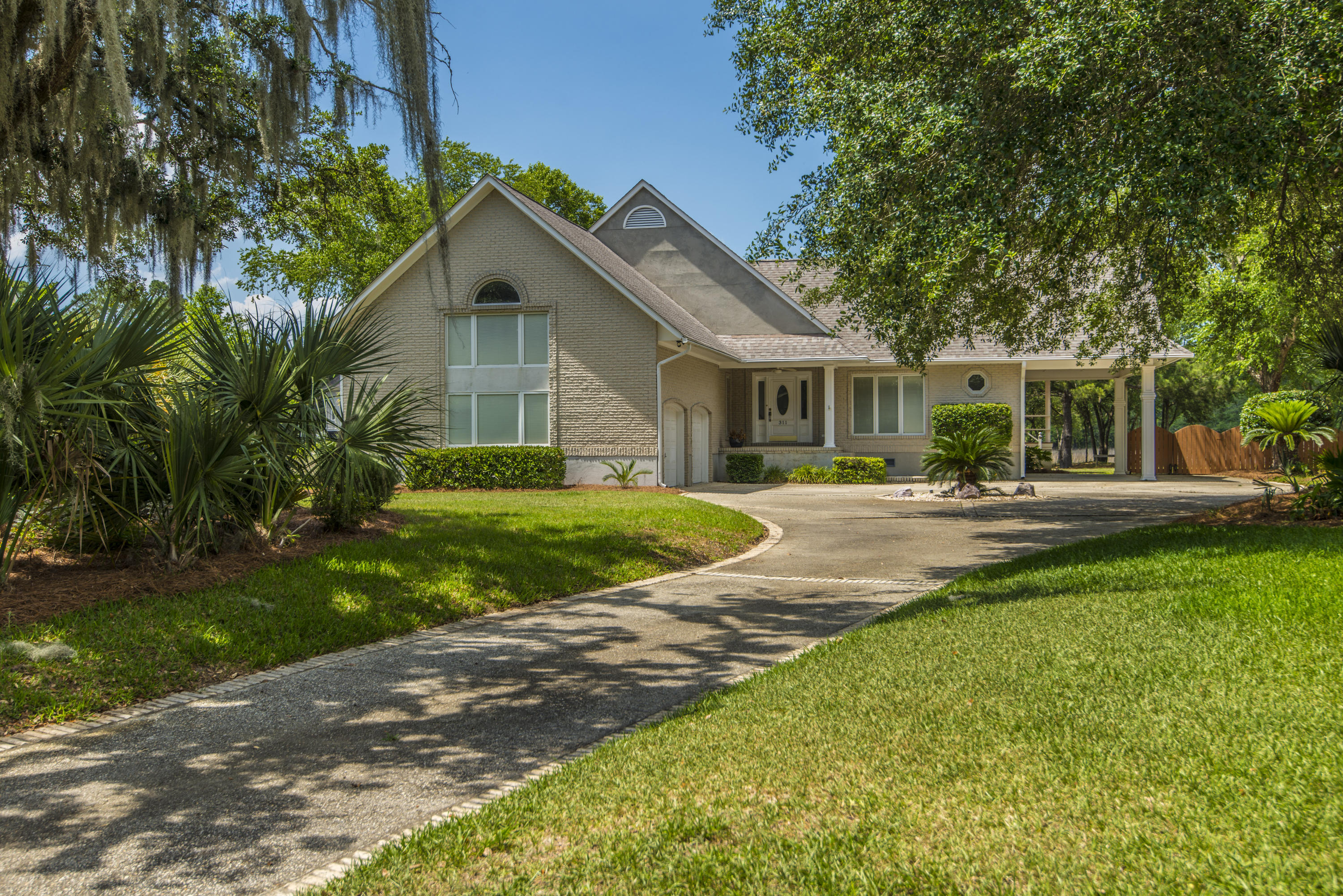 311 Jamesbury Road Wando, SC 29492