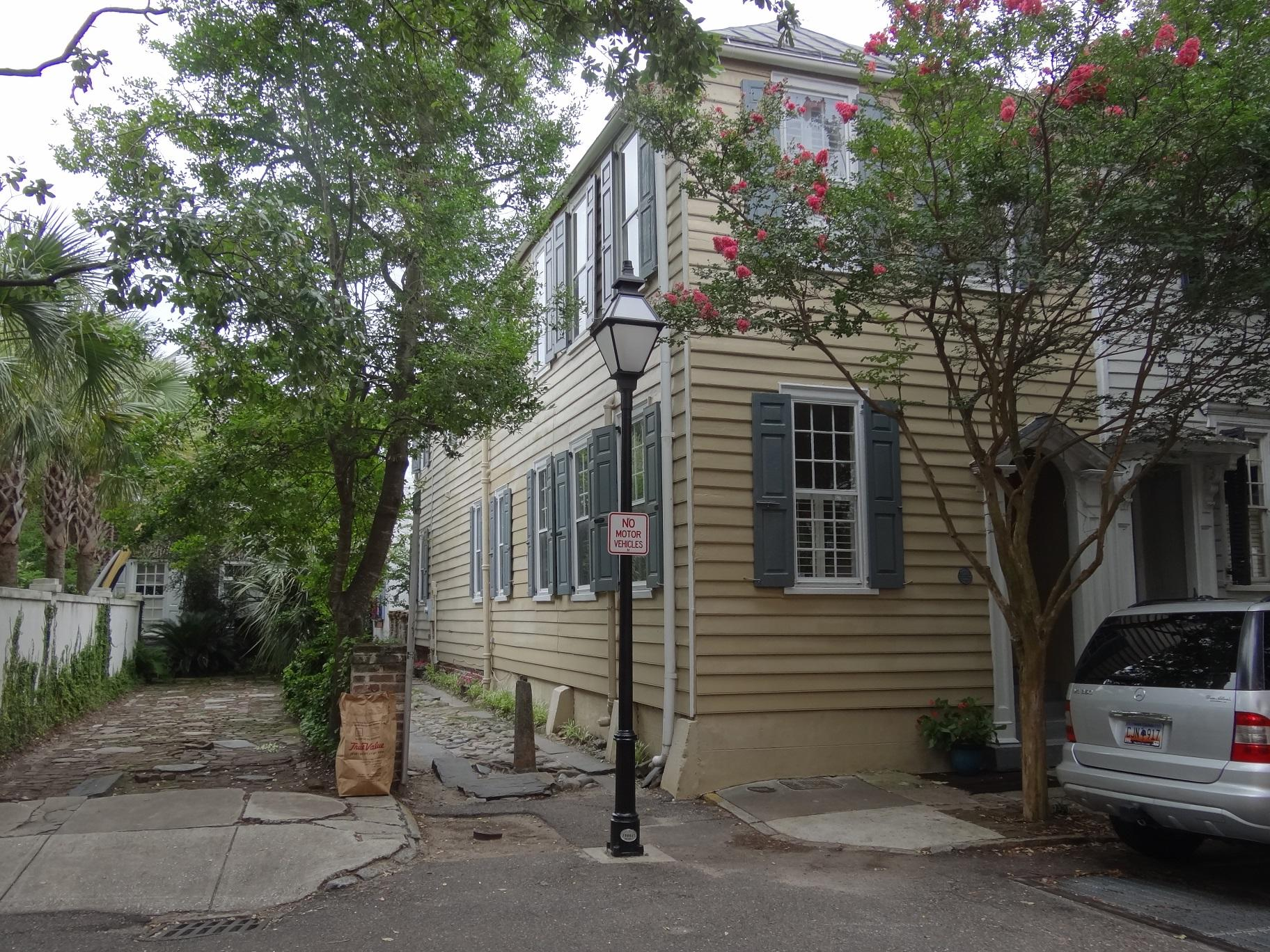 72 Church Street Charleston, SC 29401