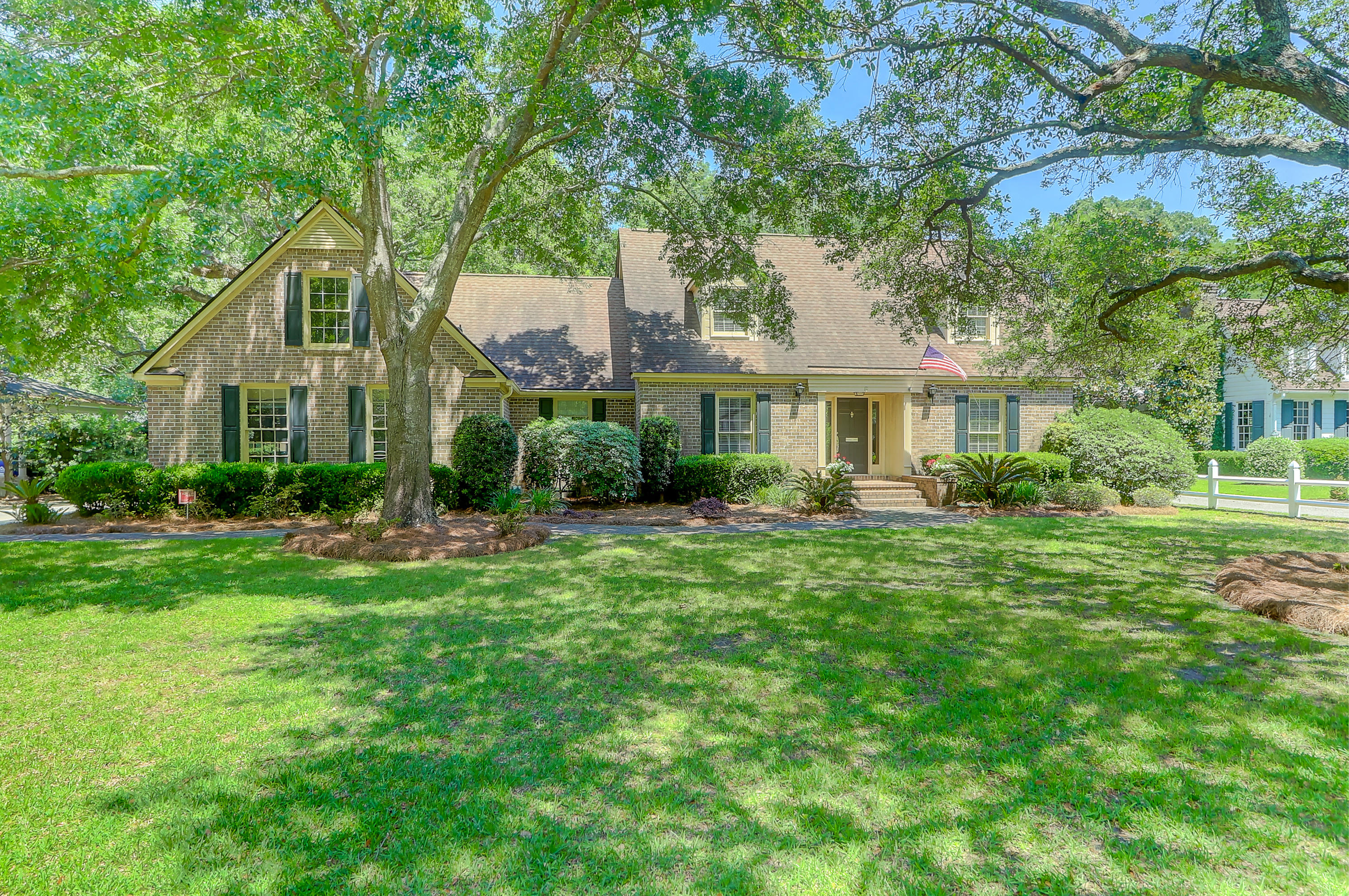 6 Yeamans Road Charleston, SC 29407
