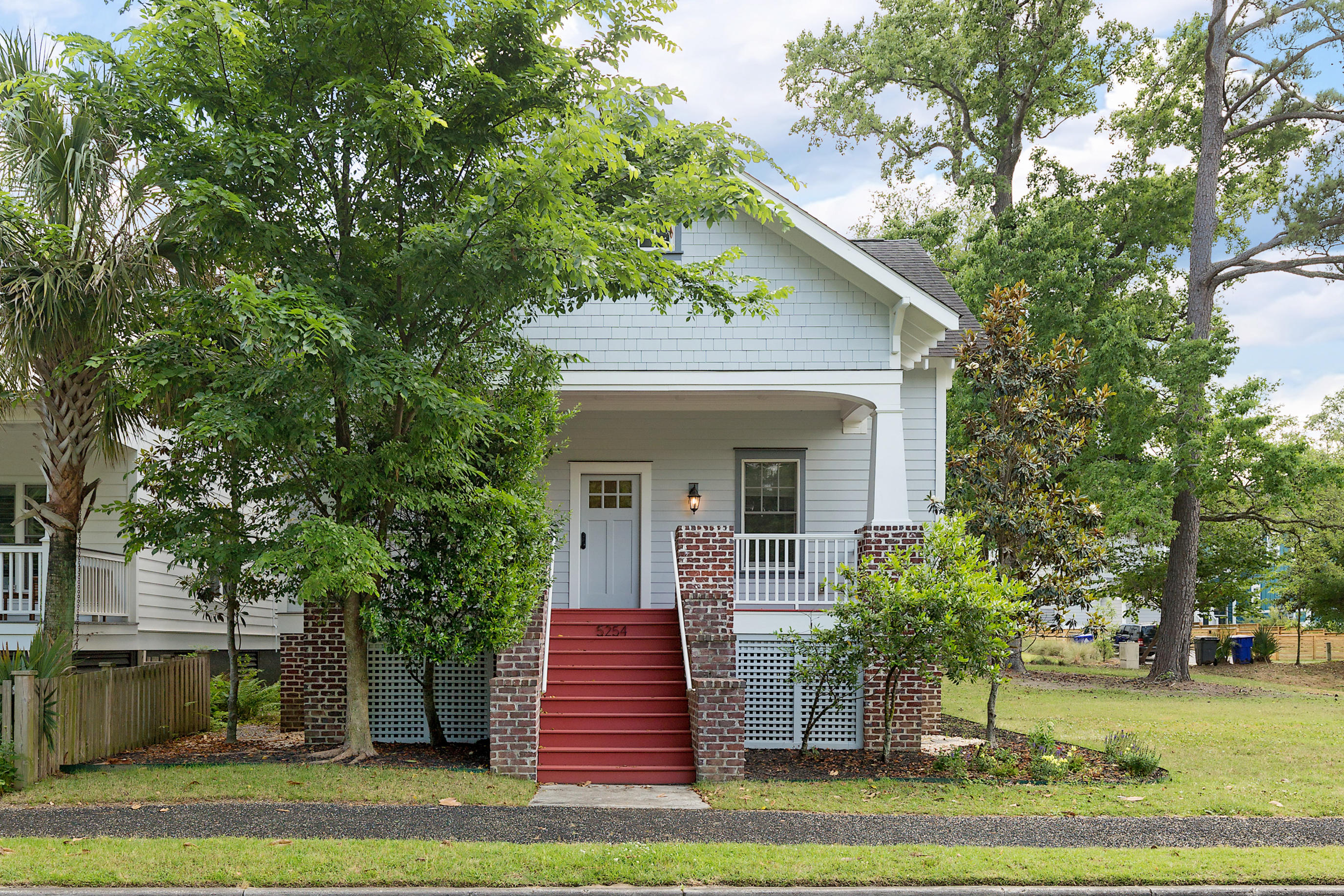 5254 E Dolphin Street North Charleston, SC 29405