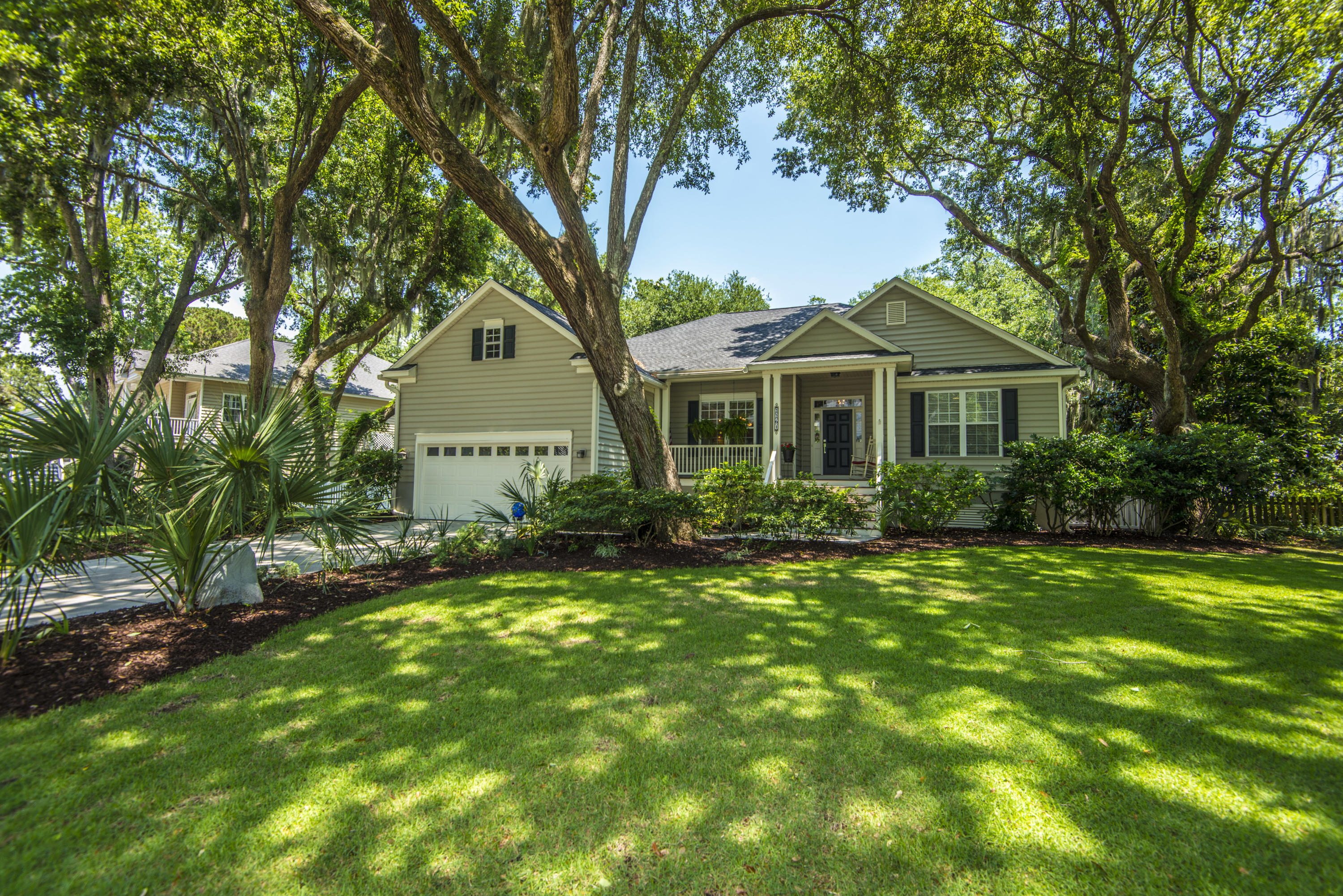 2261 Magnolia Meadows Drive Mount Pleasant, SC 29464