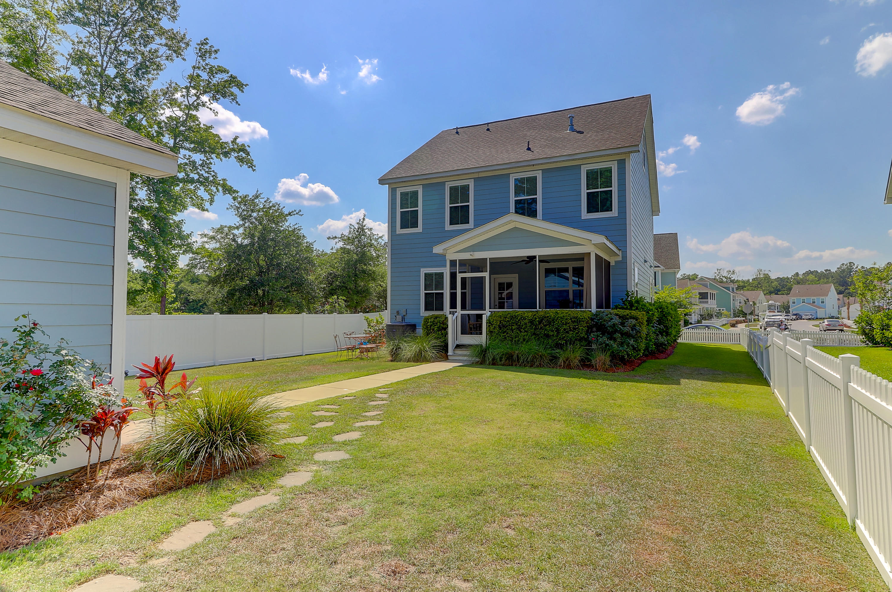 3415 Salterbeck Street Mount Pleasant, SC 29466