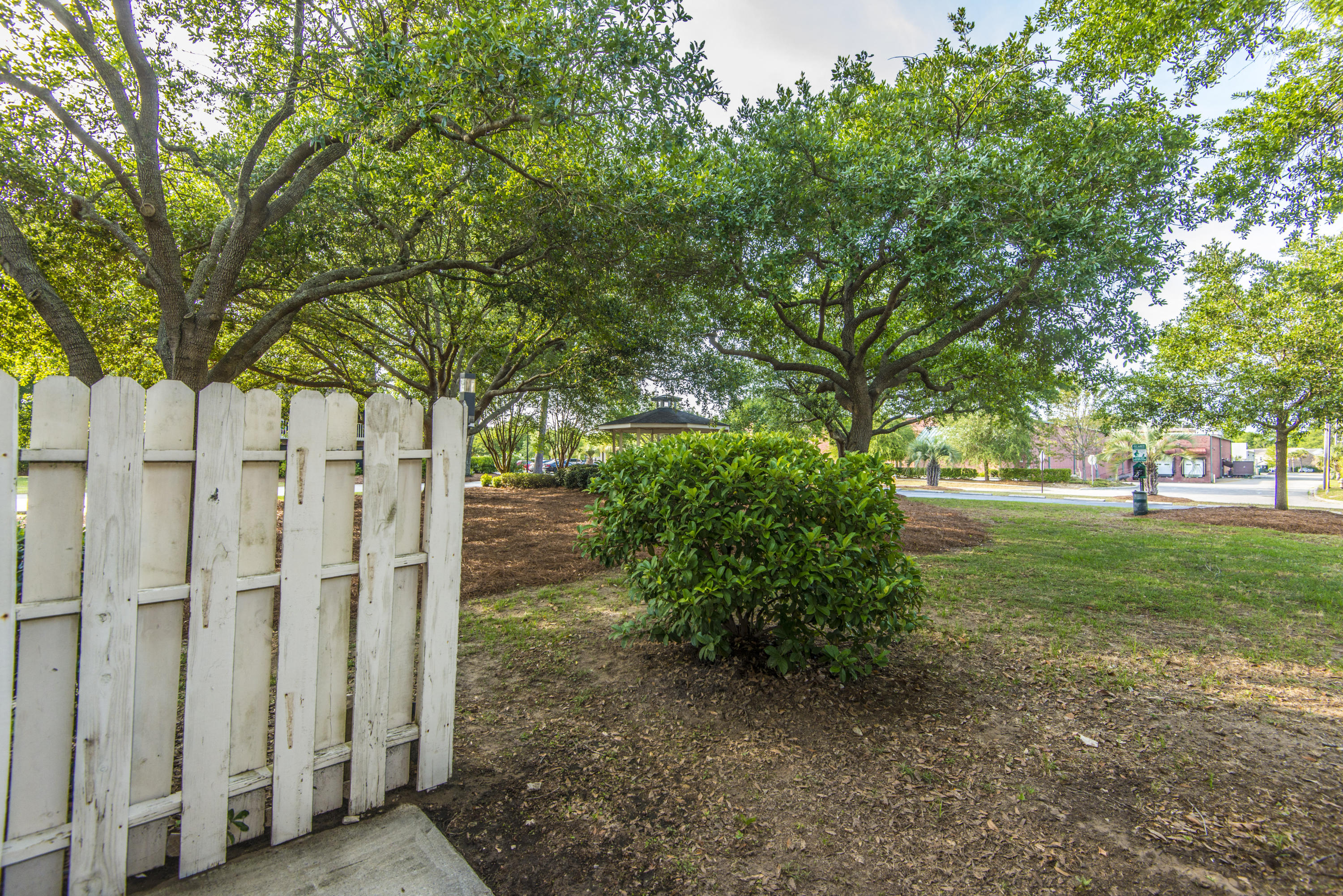 Rivers Point Row Homes For Sale - 21 Rivers Point Row, Charleston, SC - 17