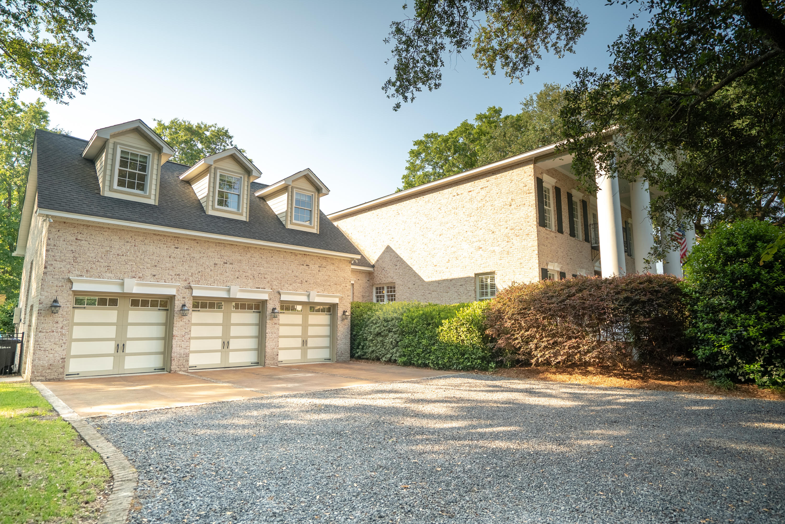 1866 Rifle Range Road Mount Pleasant, SC 29464