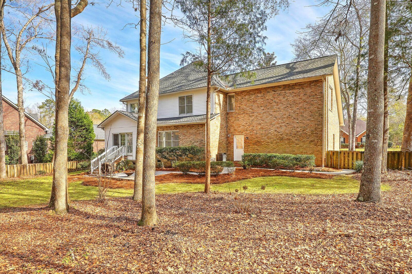 8627 W Fairway Woods Drive North Charleston, SC 29420