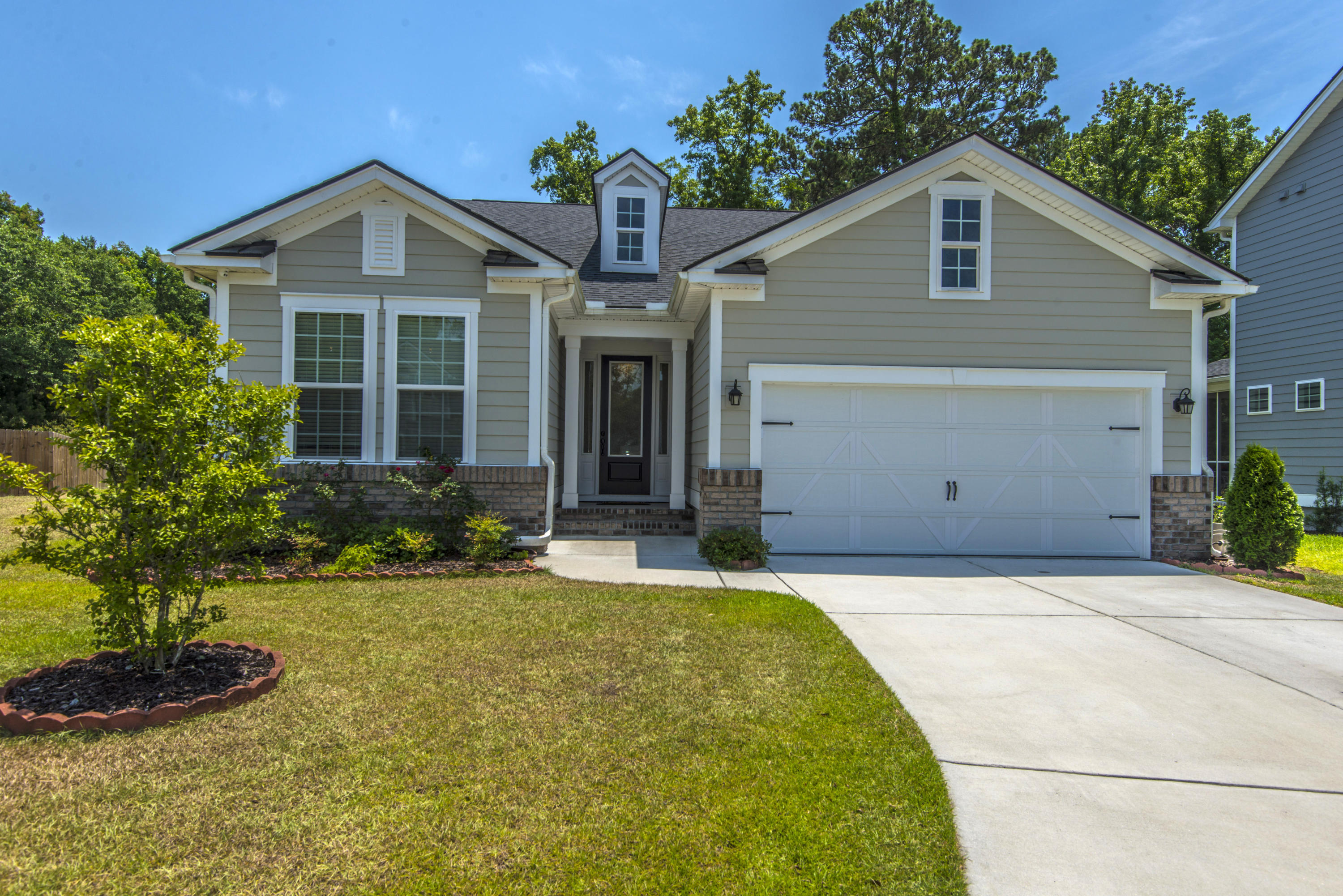 2279 Spring Hope Drive Mount Pleasant, SC 29466