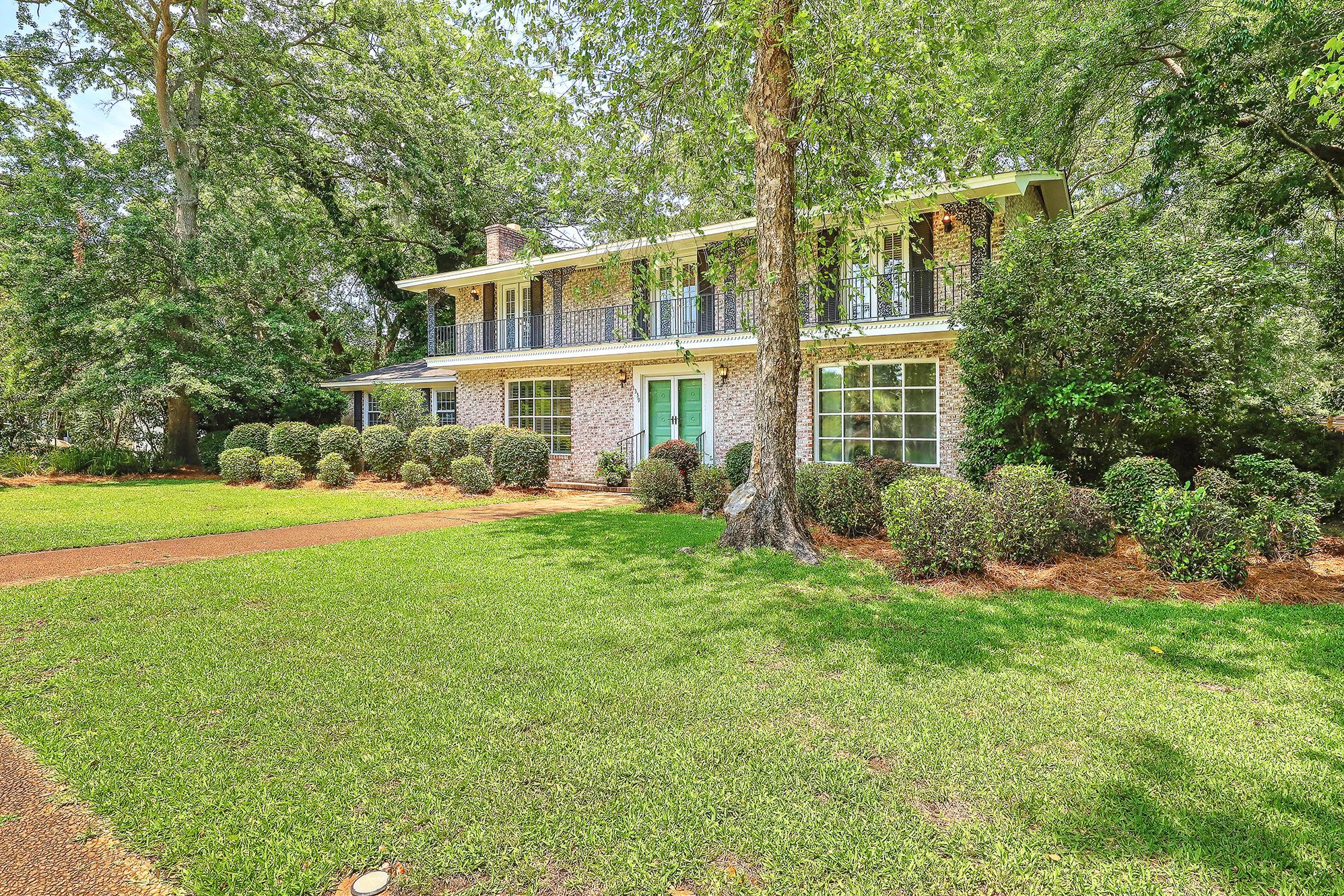 Sandhurst Homes For Sale - 1339 Winchester, Charleston, SC - 36