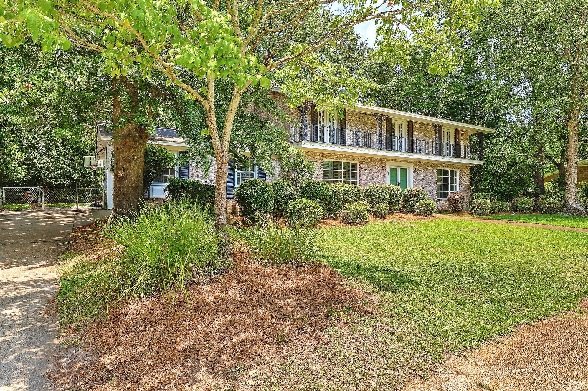 Sandhurst Homes For Sale - 1339 Winchester, Charleston, SC - 37
