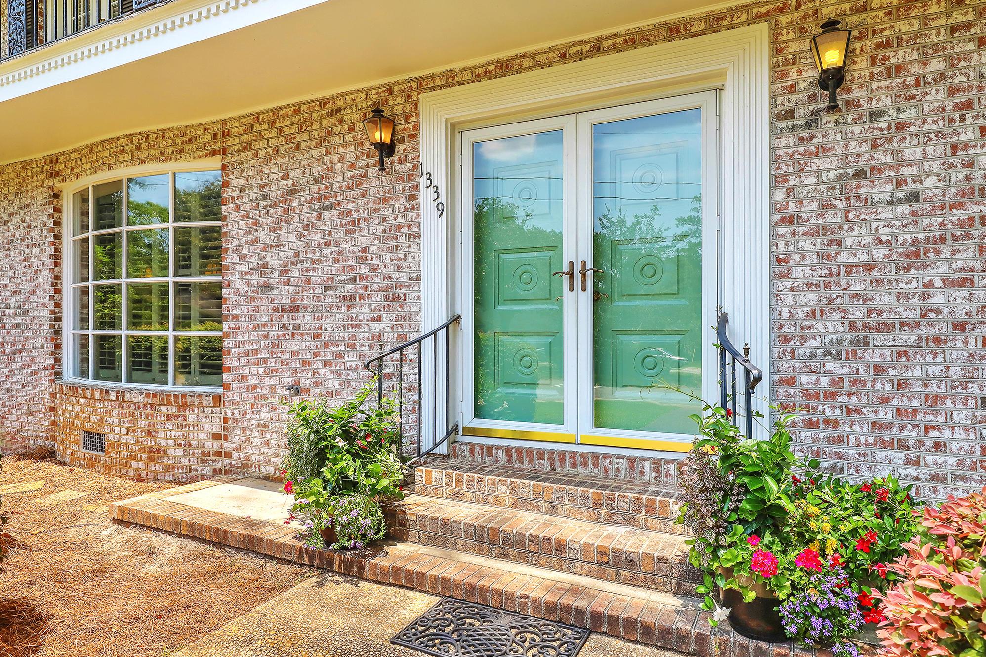 Sandhurst Homes For Sale - 1339 Winchester, Charleston, SC - 35