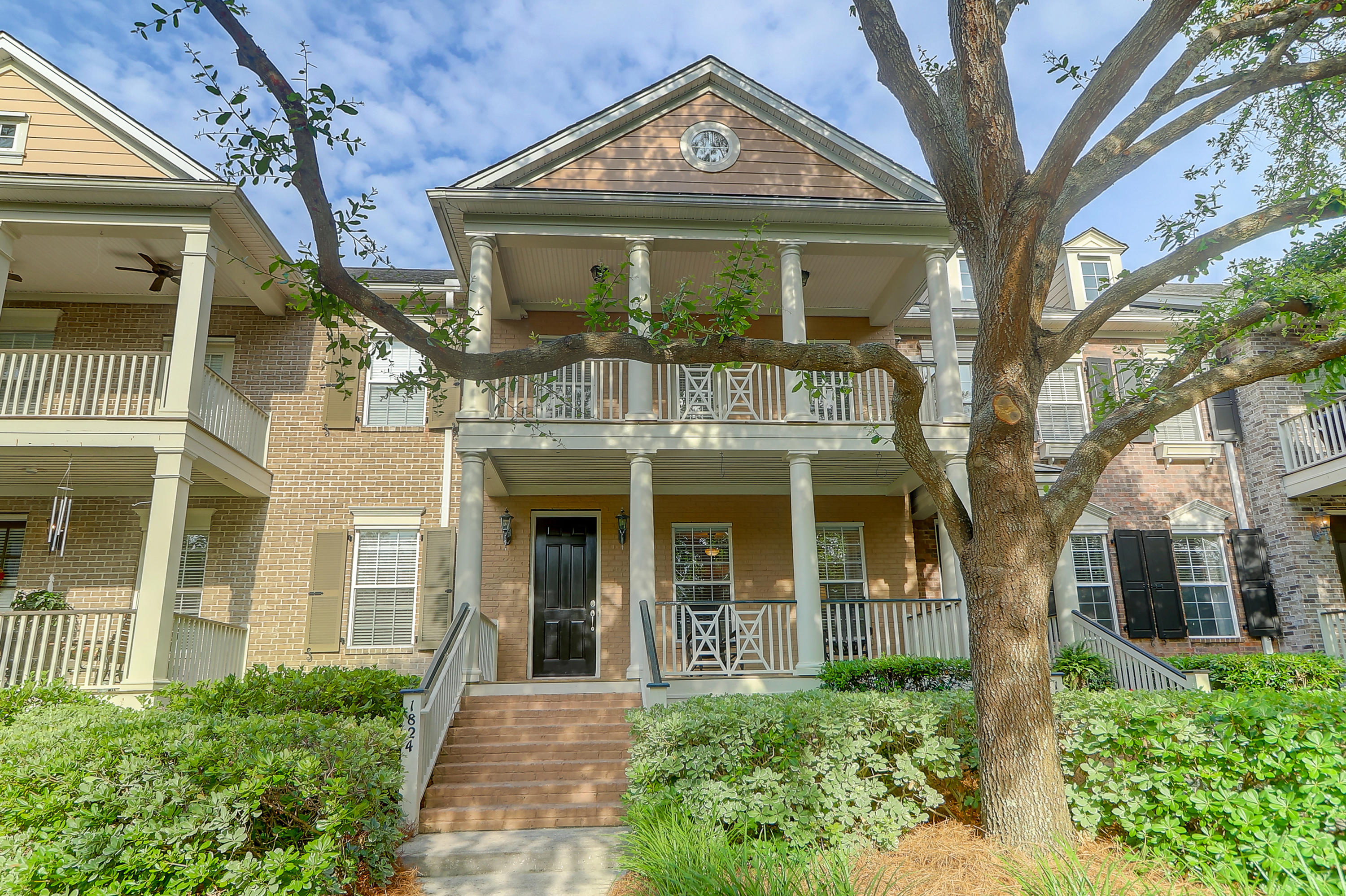 1824 Pierce Street Charleston, SC 29492