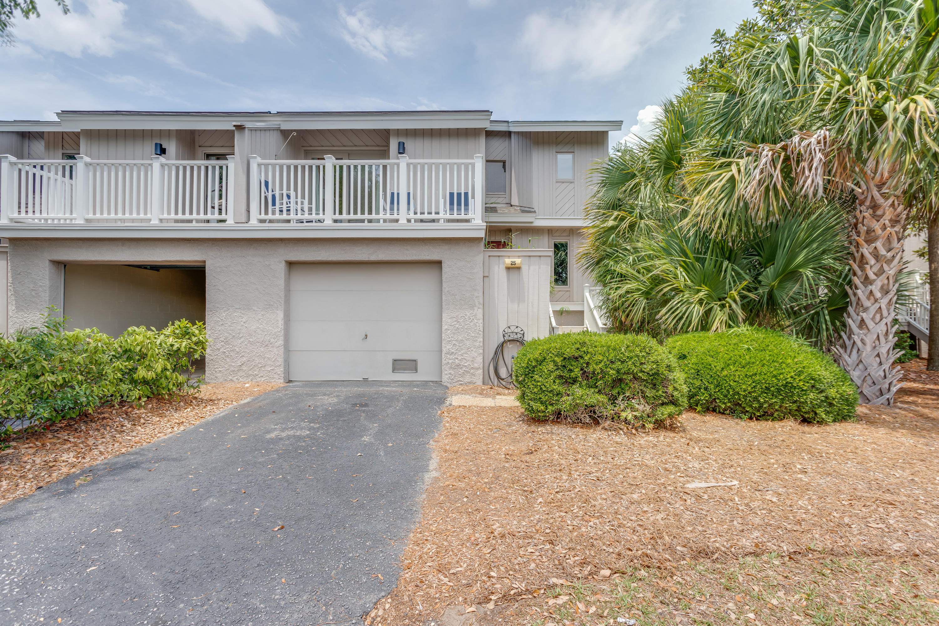 25 Racquet Club Isle Of Palms, SC 29451