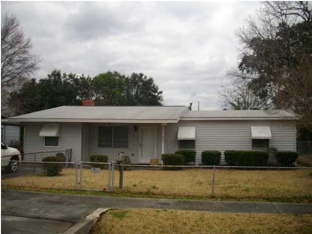2521 Primrose Avenue North Charleston, SC 29405