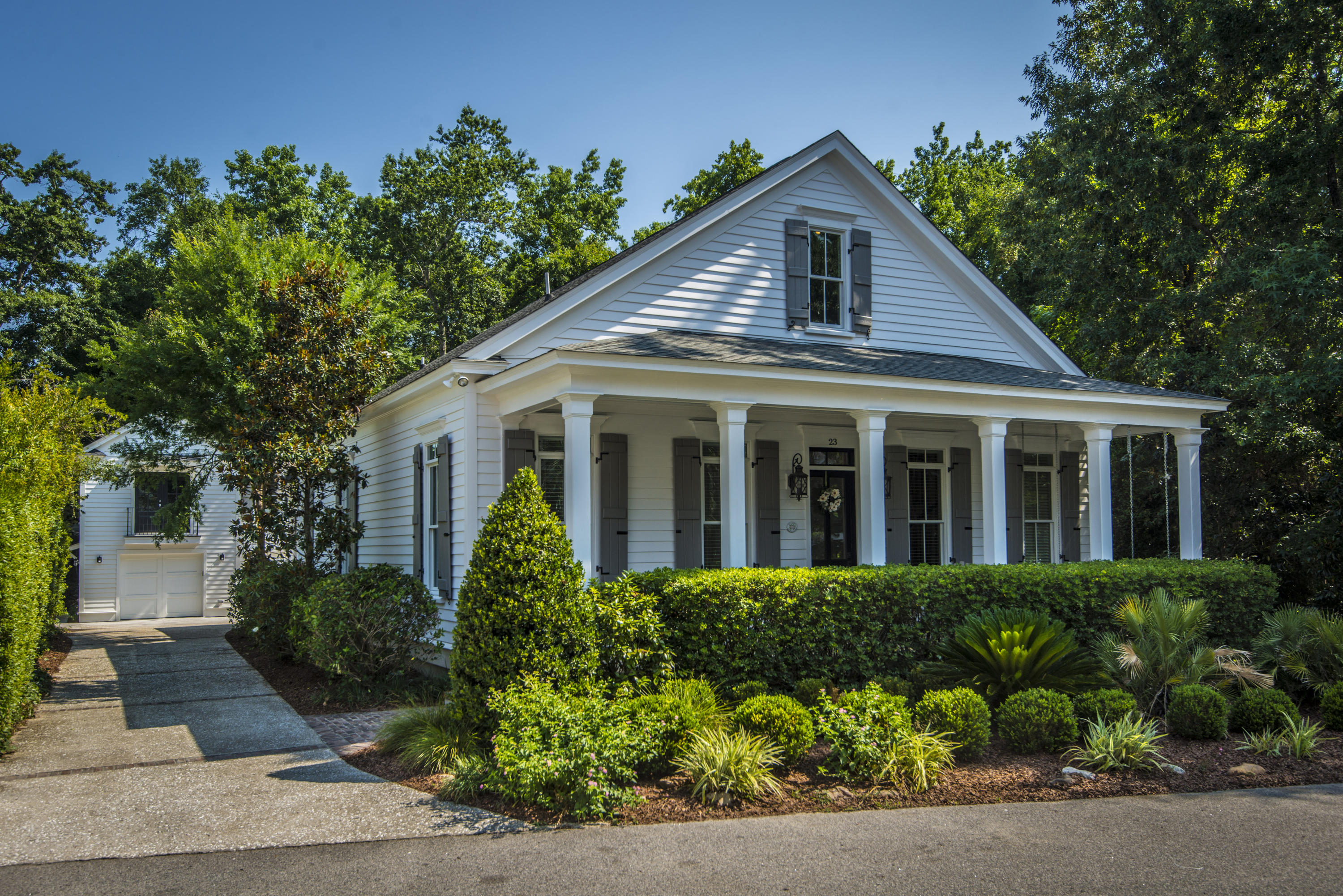 23 Edenton Road Mount Pleasant, SC 29464