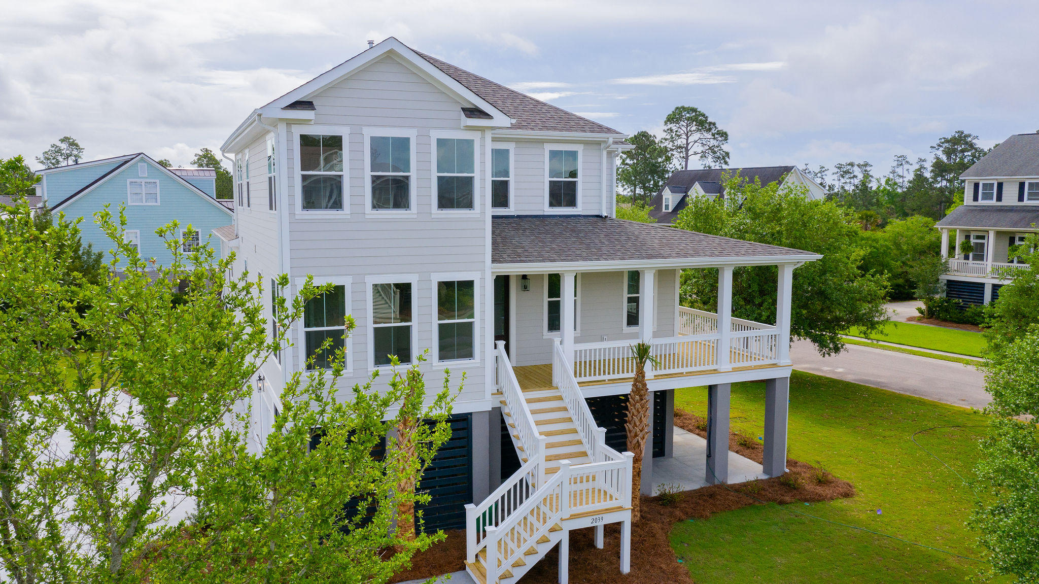 1531 N Lakeshore Drive Mount Pleasant, SC 29466