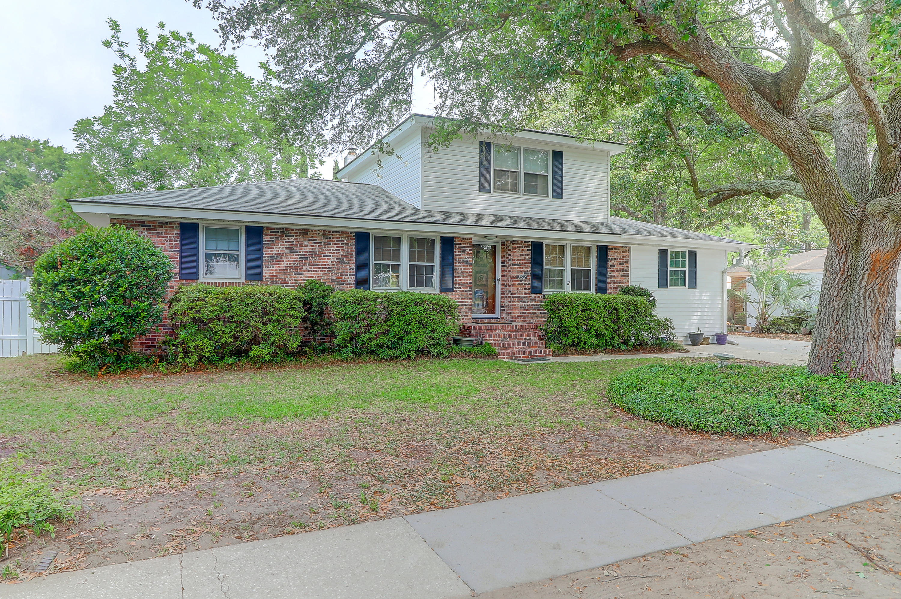 552 Center Street Mount Pleasant, SC 29464
