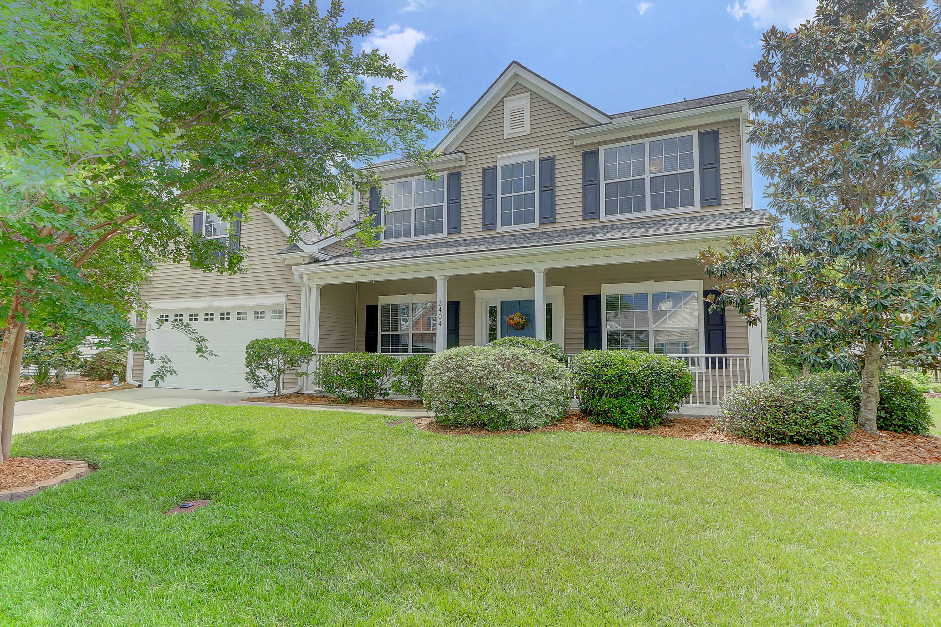 2404 Parsonage Woods Lane Mount Pleasant, SC 29466