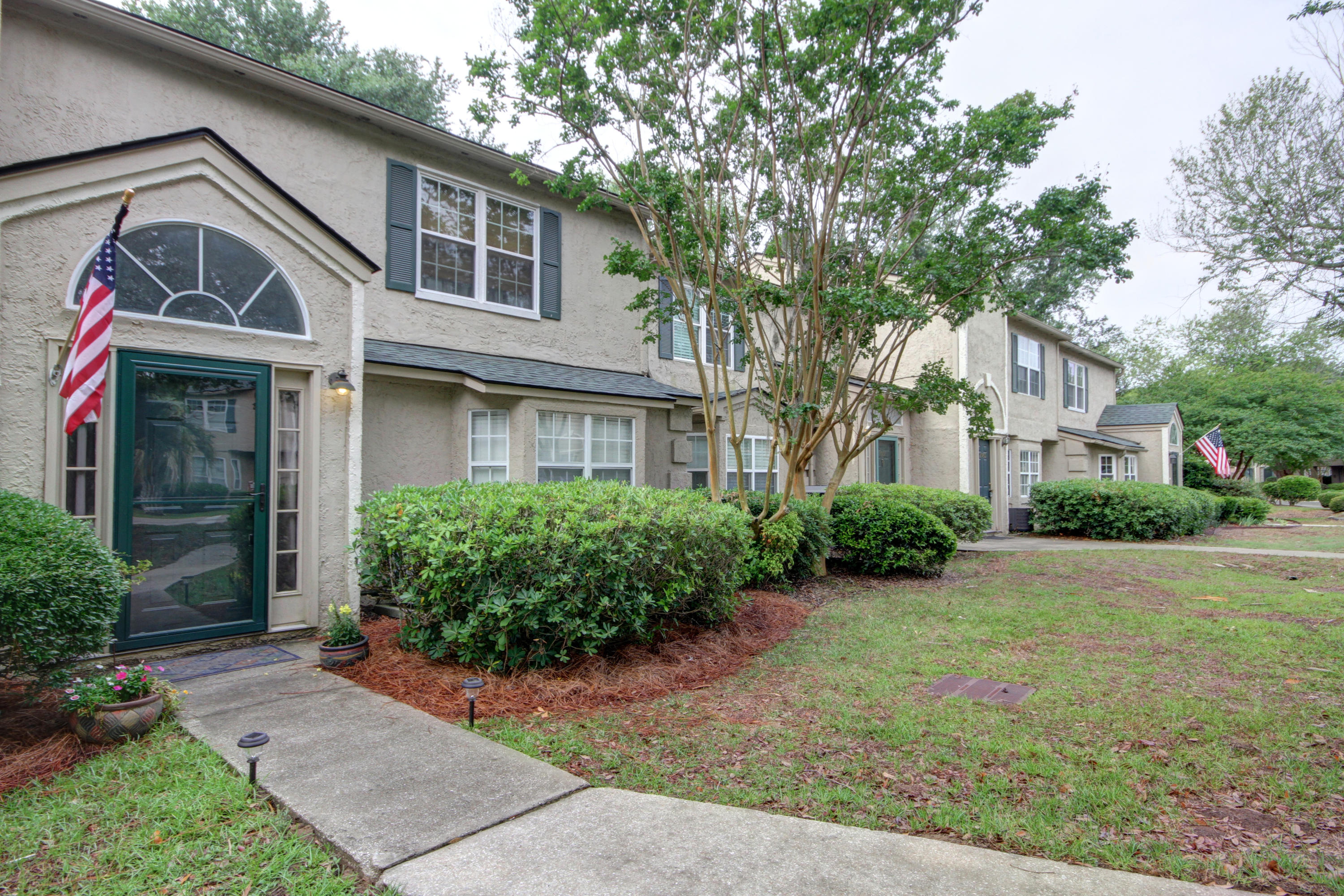 2089 Emerald Terrace Mount Pleasant, SC 29464