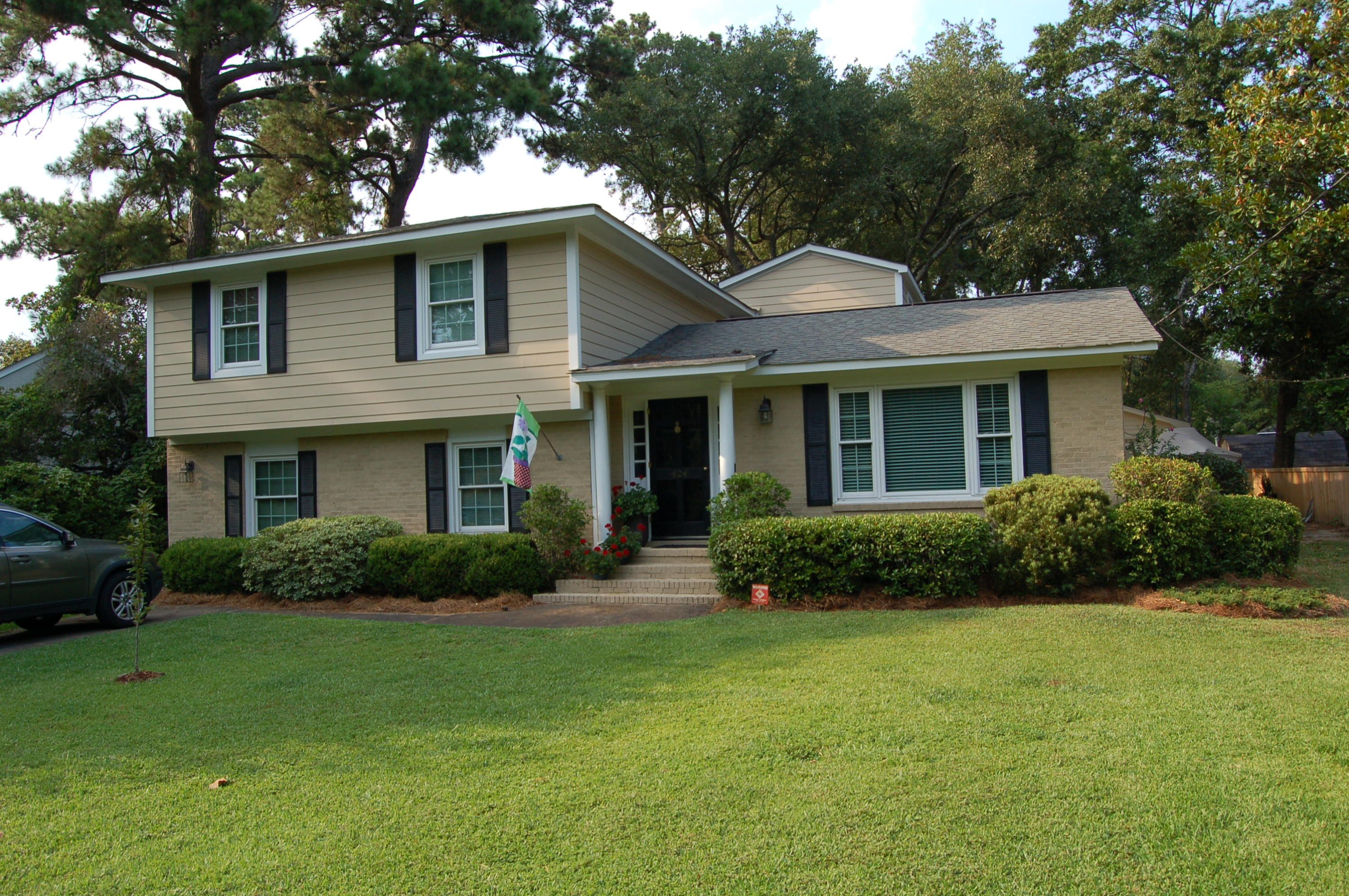 424 Japonica Road Mount Pleasant, SC 29464