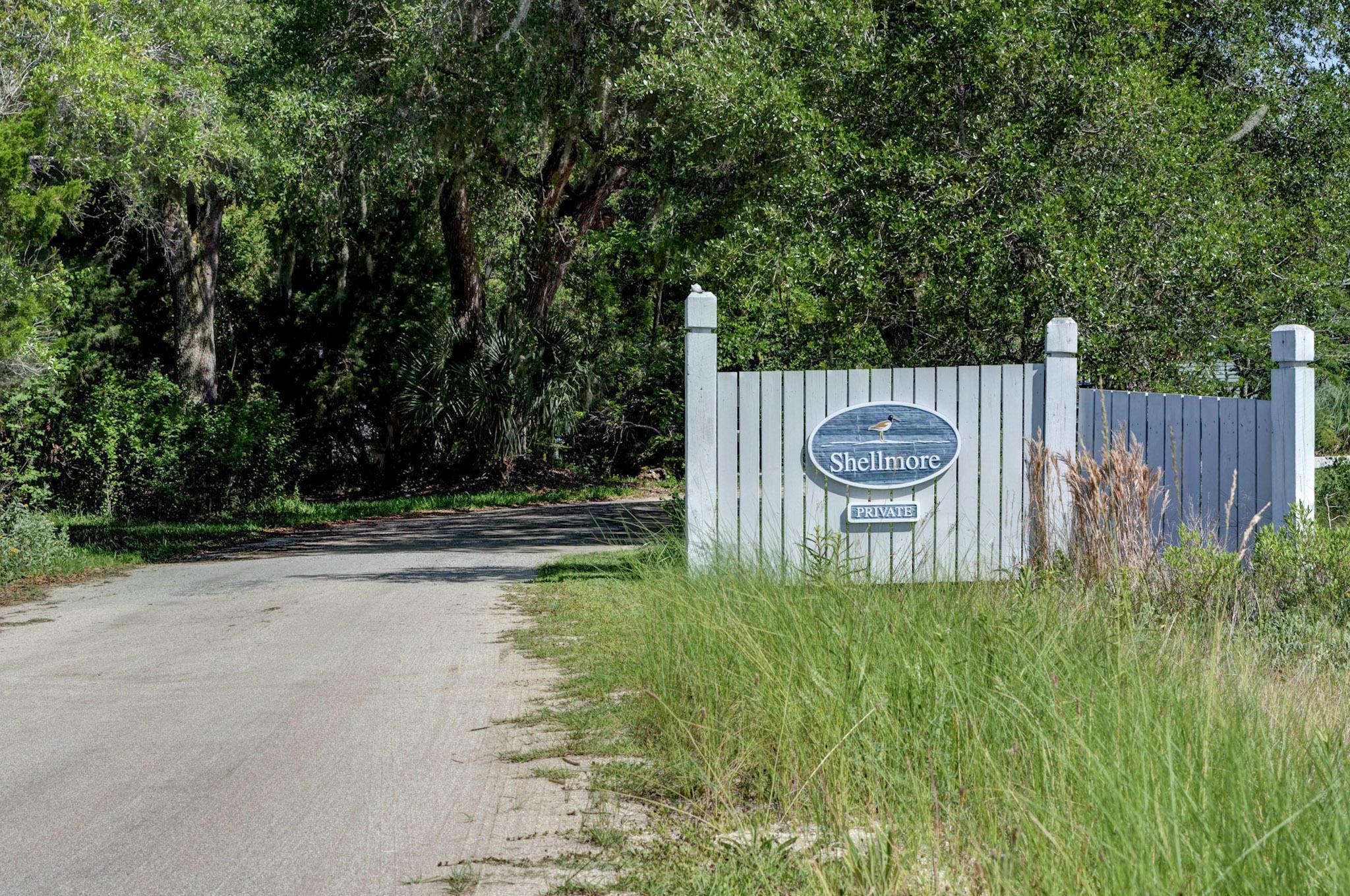 959 Shellmore Lane Mcclellanville, SC 29458