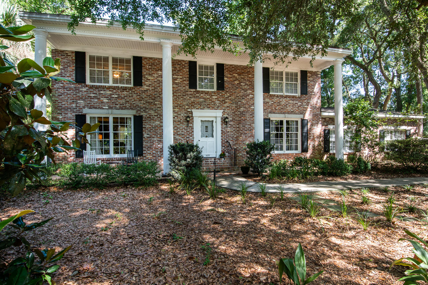 309 Coinbow Drive Mount Pleasant, SC 29464