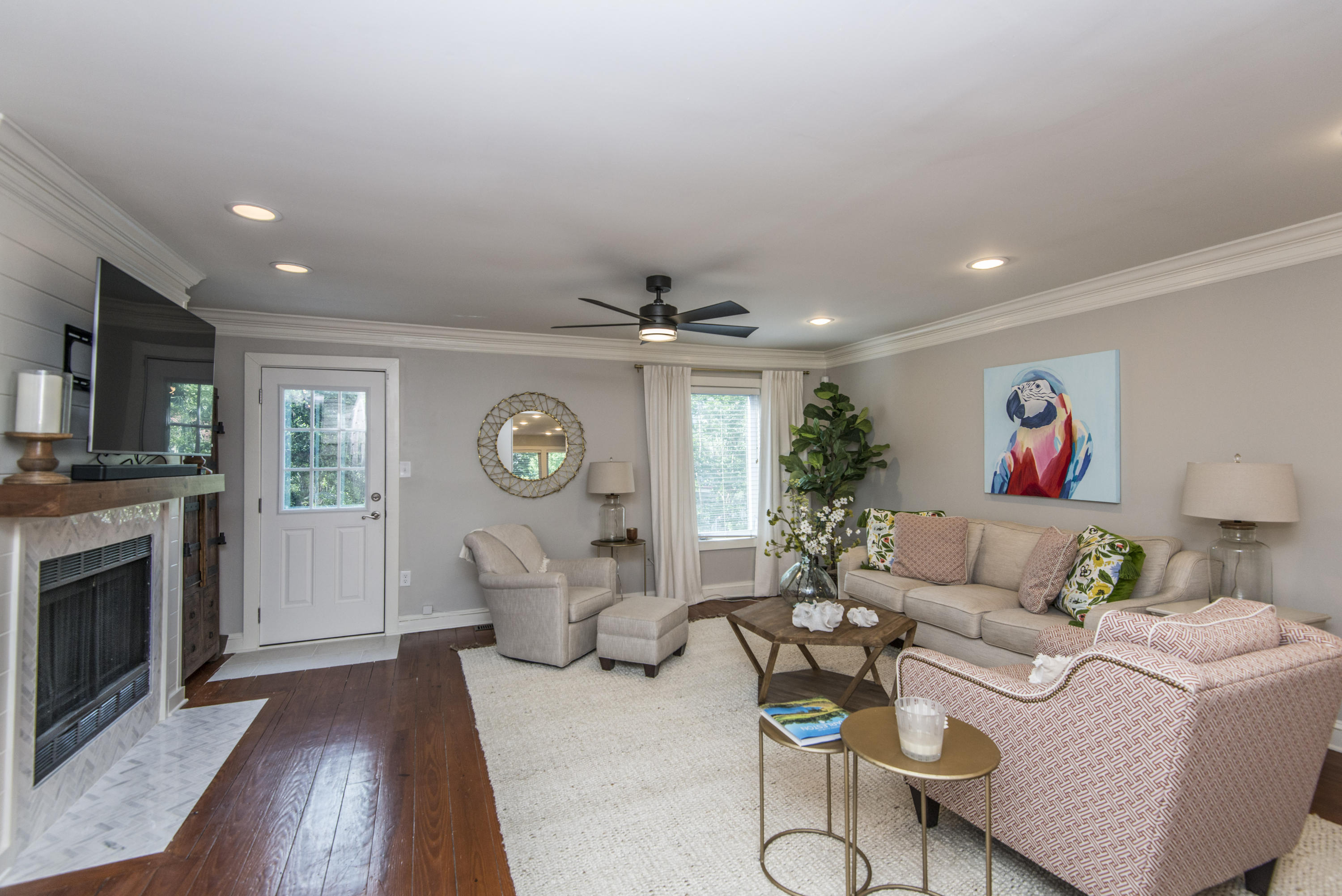 5 Aston Place Charleston, SC 29401