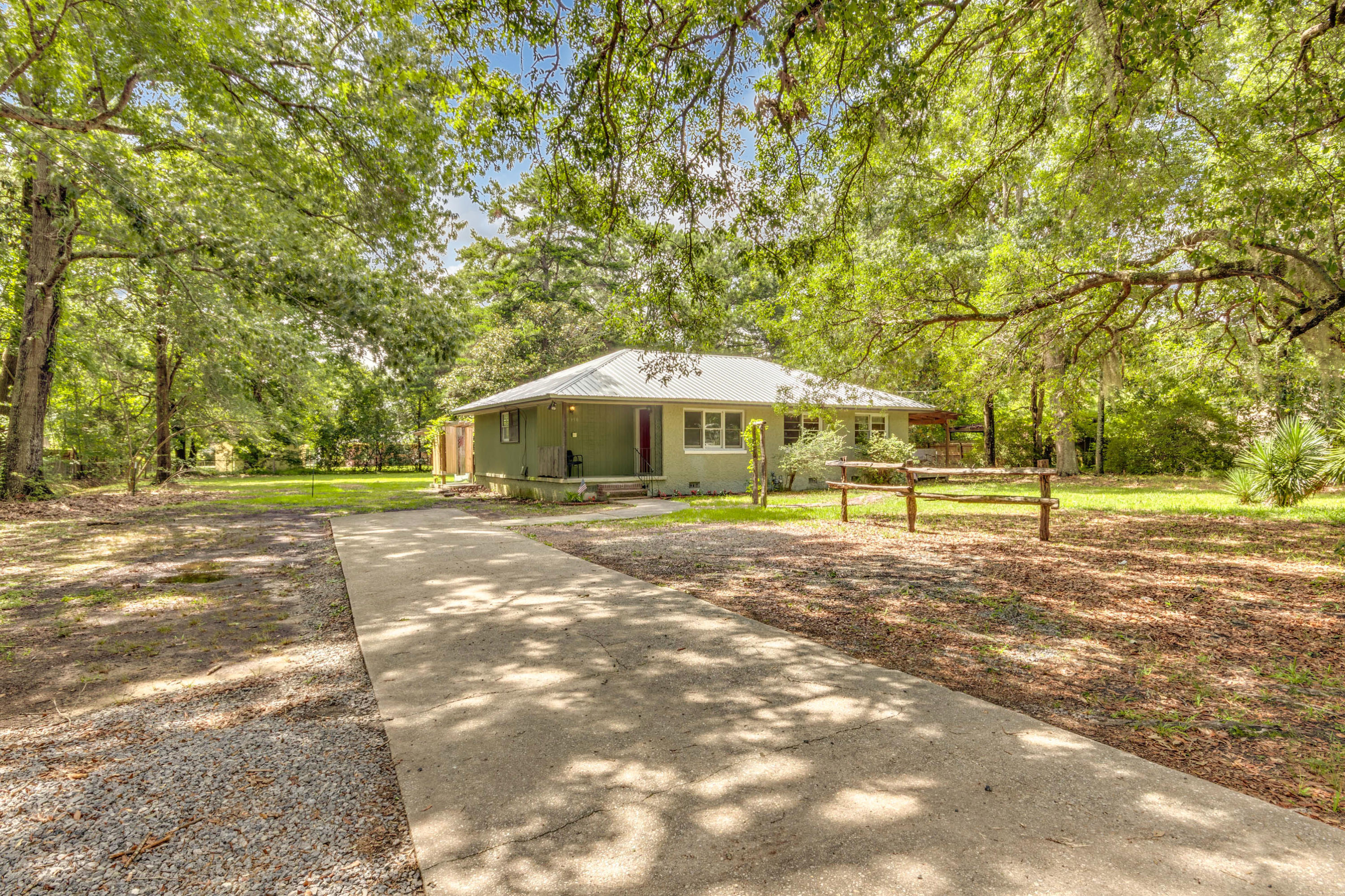 1950 Old Parsonage Road Charleston, SC 29414