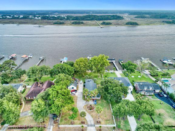 2305 Lazy River Drive Charleston, SC 29414