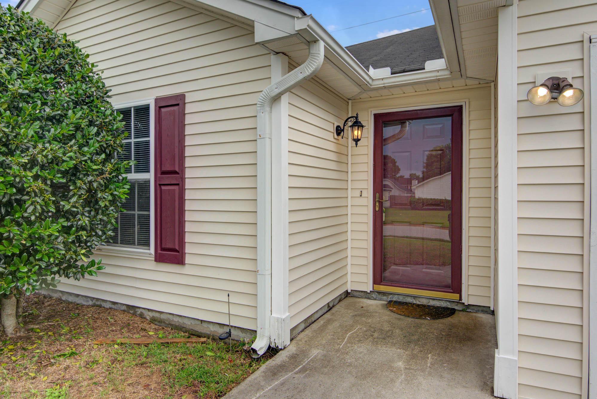 5035 Westview Street North Charleston, SC 29418