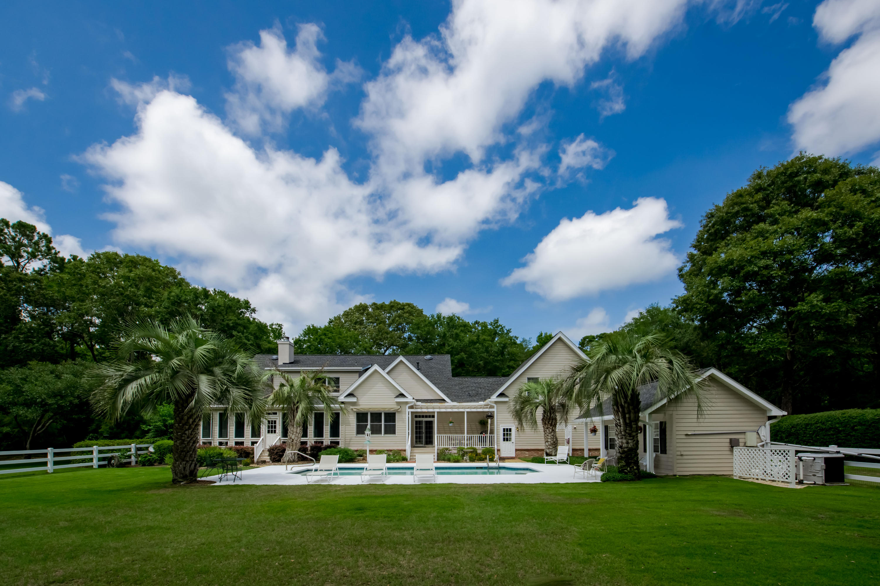 4683 Lazy Creek Lane Wadmalaw Island, SC 29487