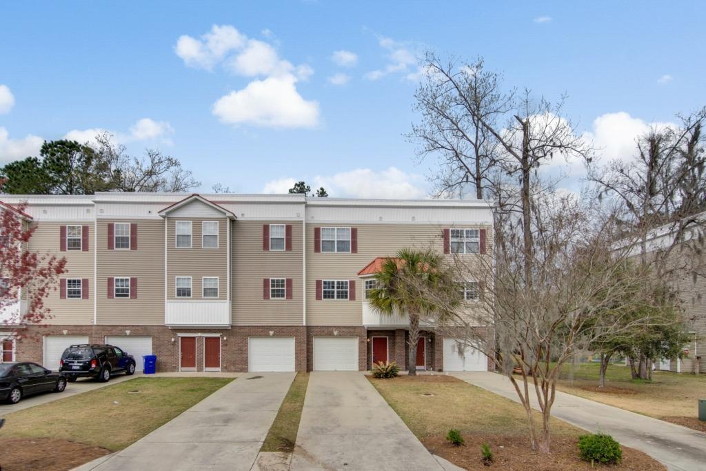 4622 N Palm View Circle North Charleston, SC 29418