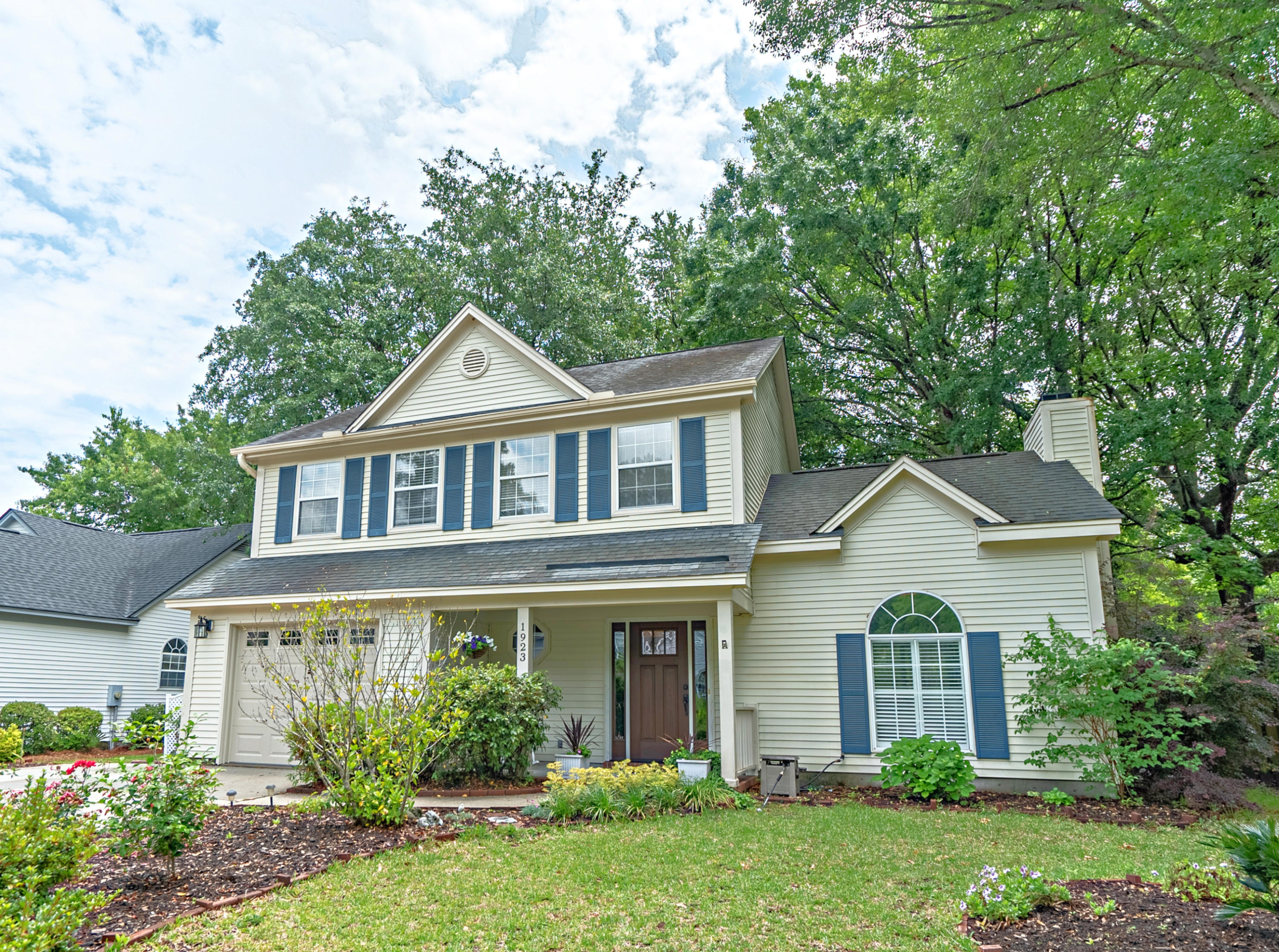 1923 Oak Tree Lane Mount Pleasant, SC 29464