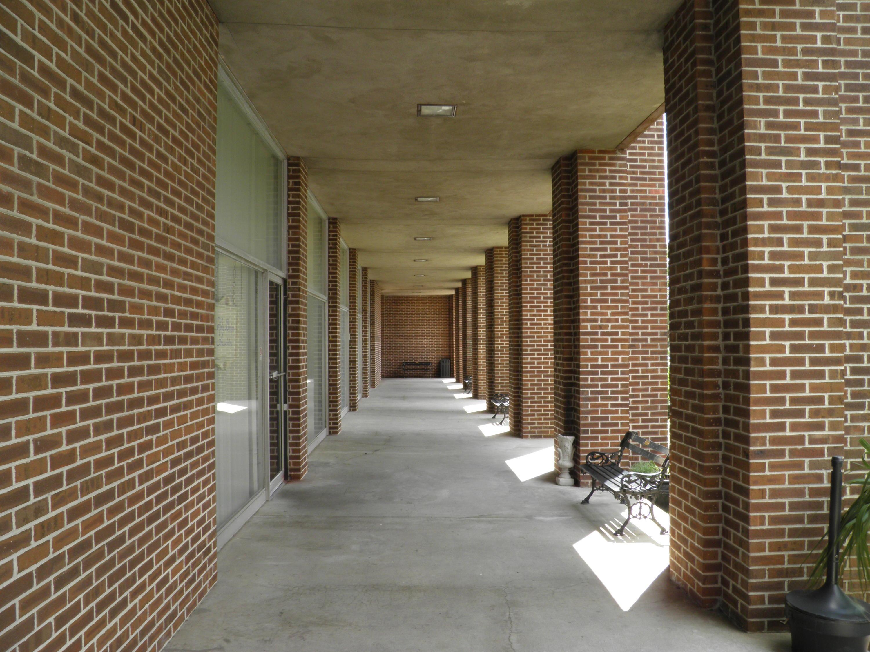 14 Lockwood Drive Charleston, SC 29401