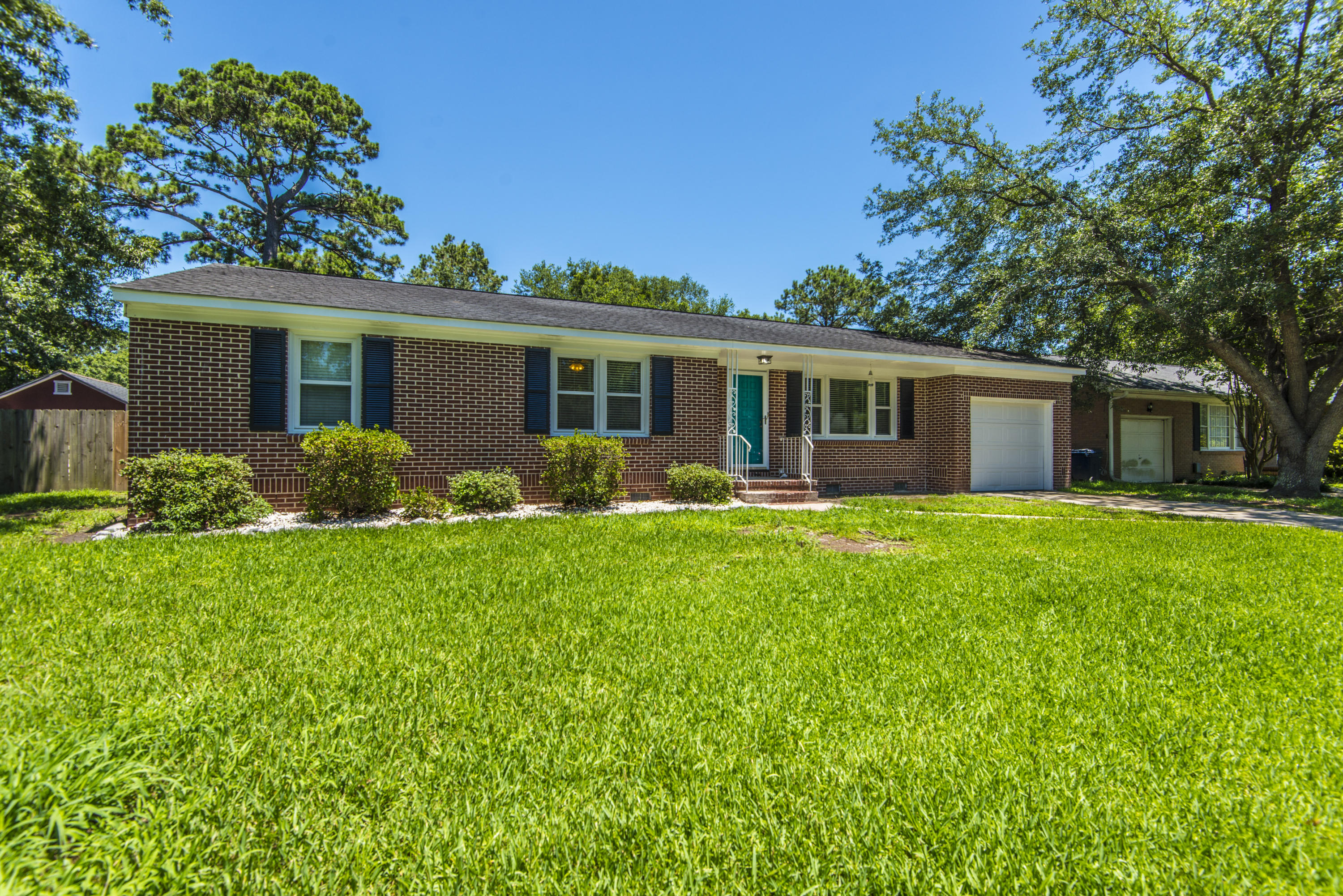 330 Swift Avenue Charleston, SC 29407