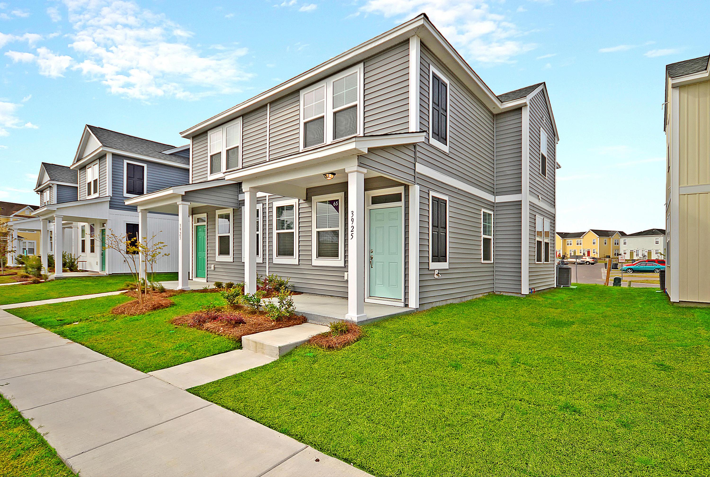 3945 Rhett Park Drive North Charleston, SC 29405