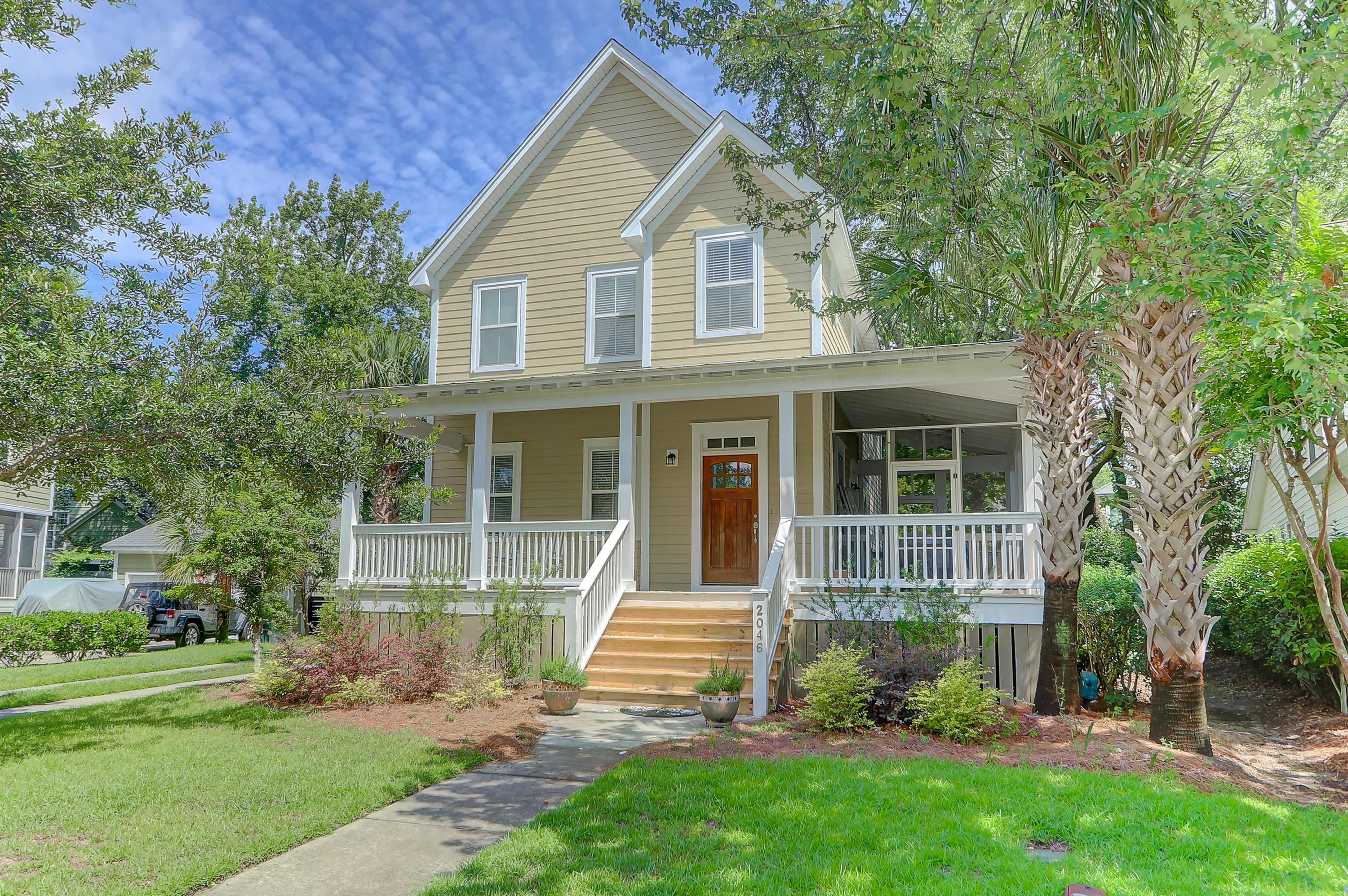 2046 Pierce Street Charleston, SC 29492