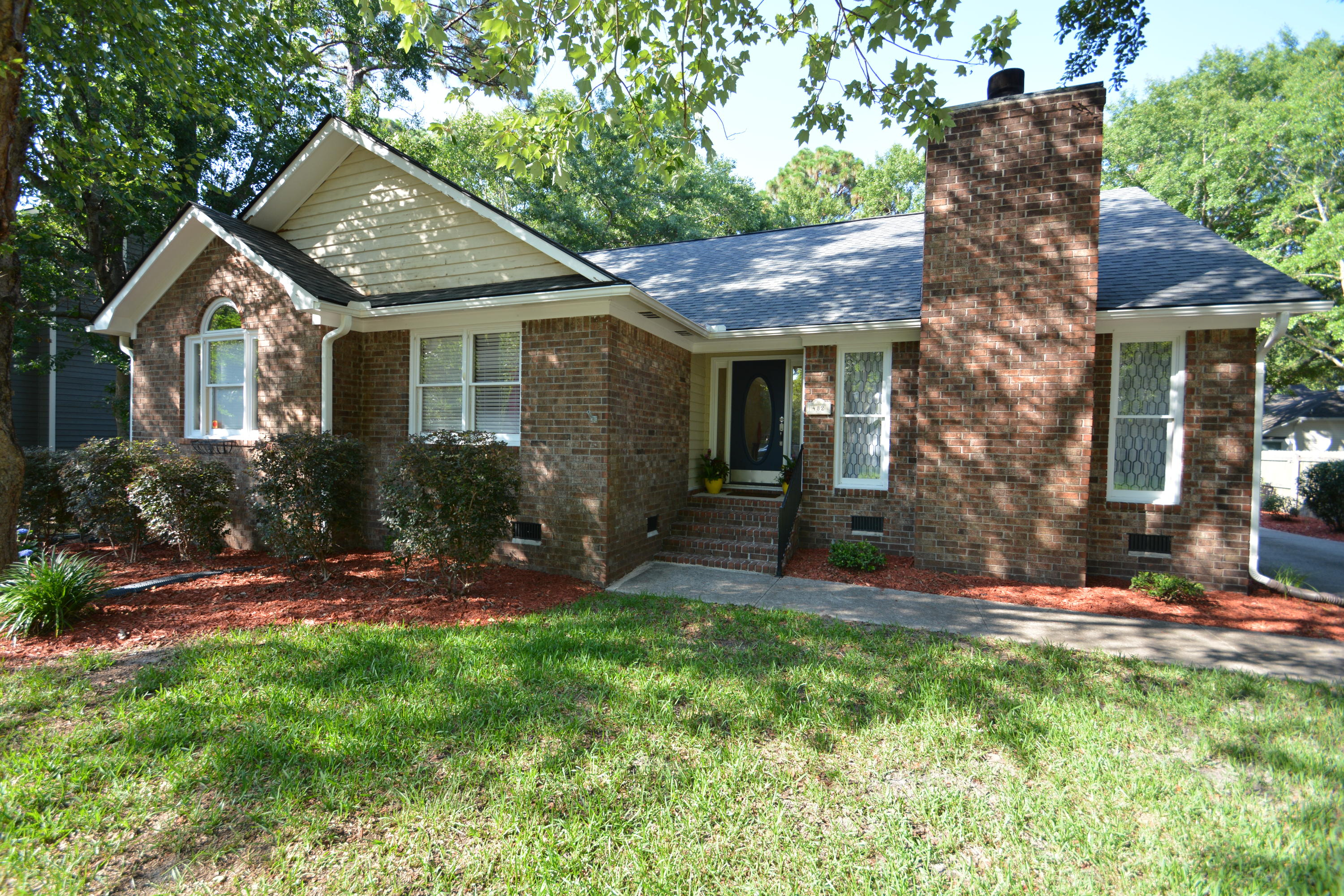 482 Mount Royall Drive Mount Pleasant, SC 29464