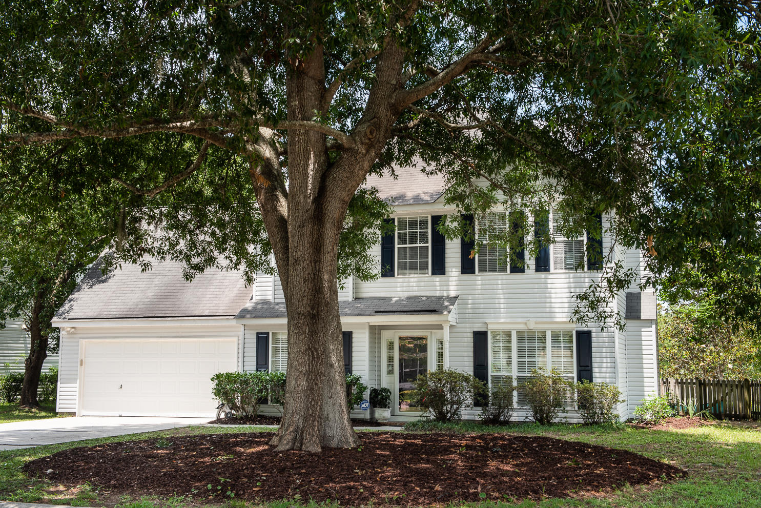 1288 Center Lake Drive Mount Pleasant, SC 29464