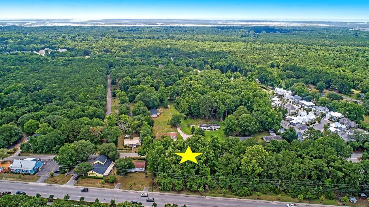 2440 Old Georgetown Road Mount Pleasant, SC 29466